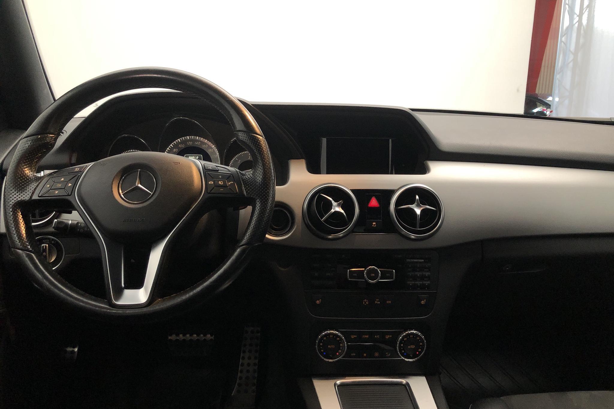 Mercedes GLK 220 CDI 4MATIC X204 (170hk) - 11 538 mil - Automat - silver - 2015