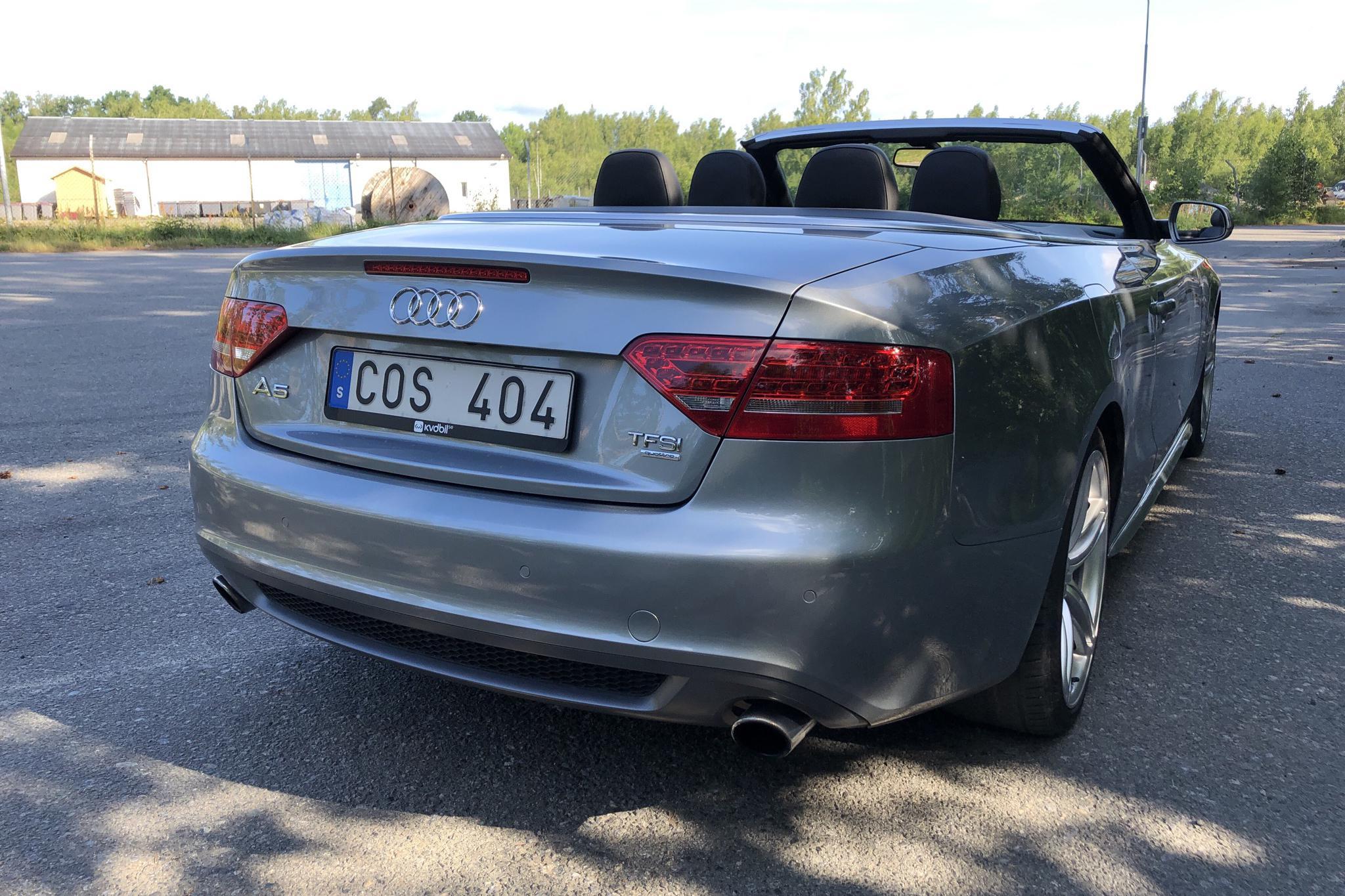 Audi A5 2.0 TFSI Cabriolet quattro (211hk) - 88 270 km - Automatic - gray - 2011