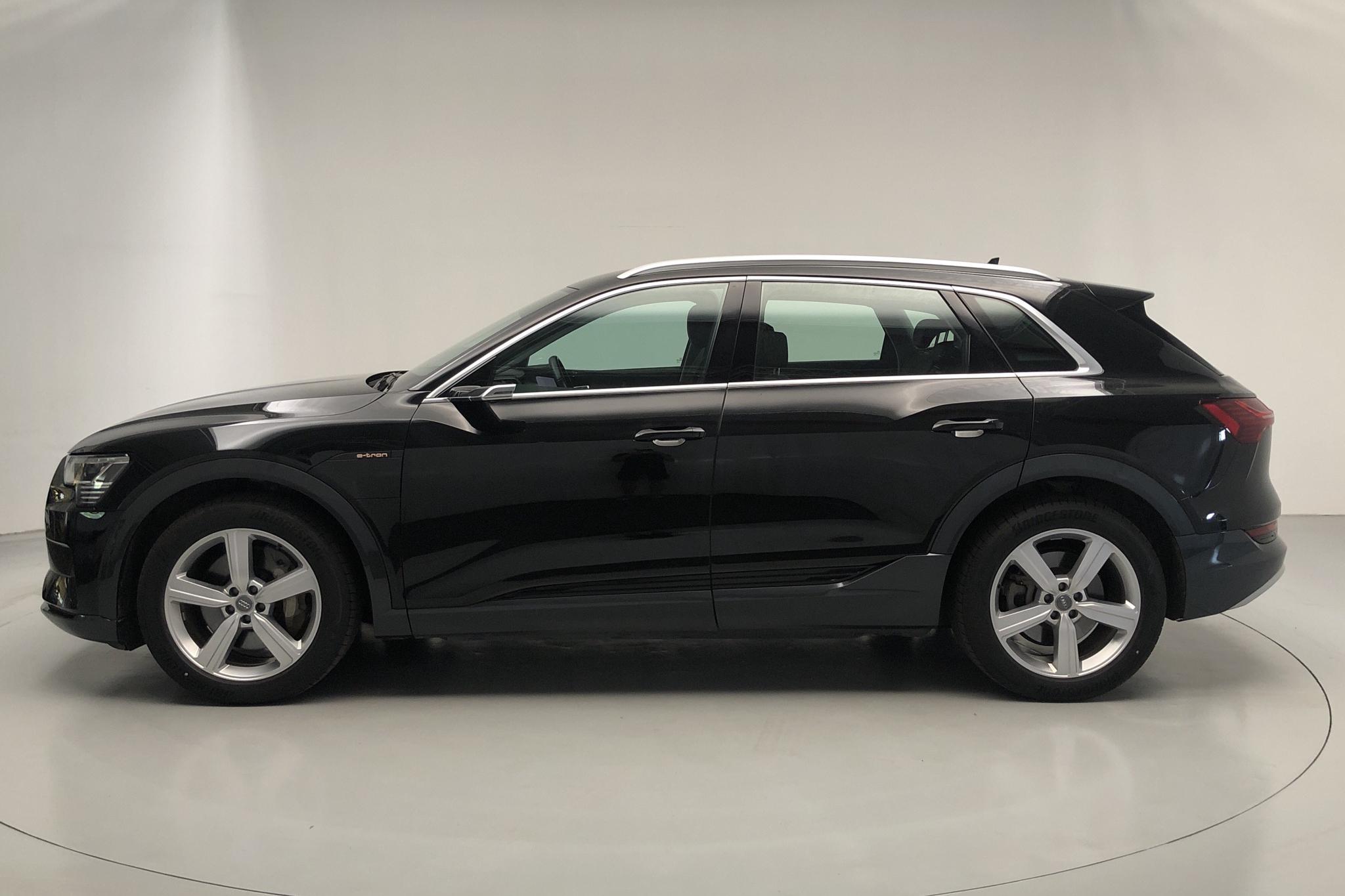 Audi e-tron 55 quattro 95 kWh (360hk) - 50 620 km - Automatic - black - 2019