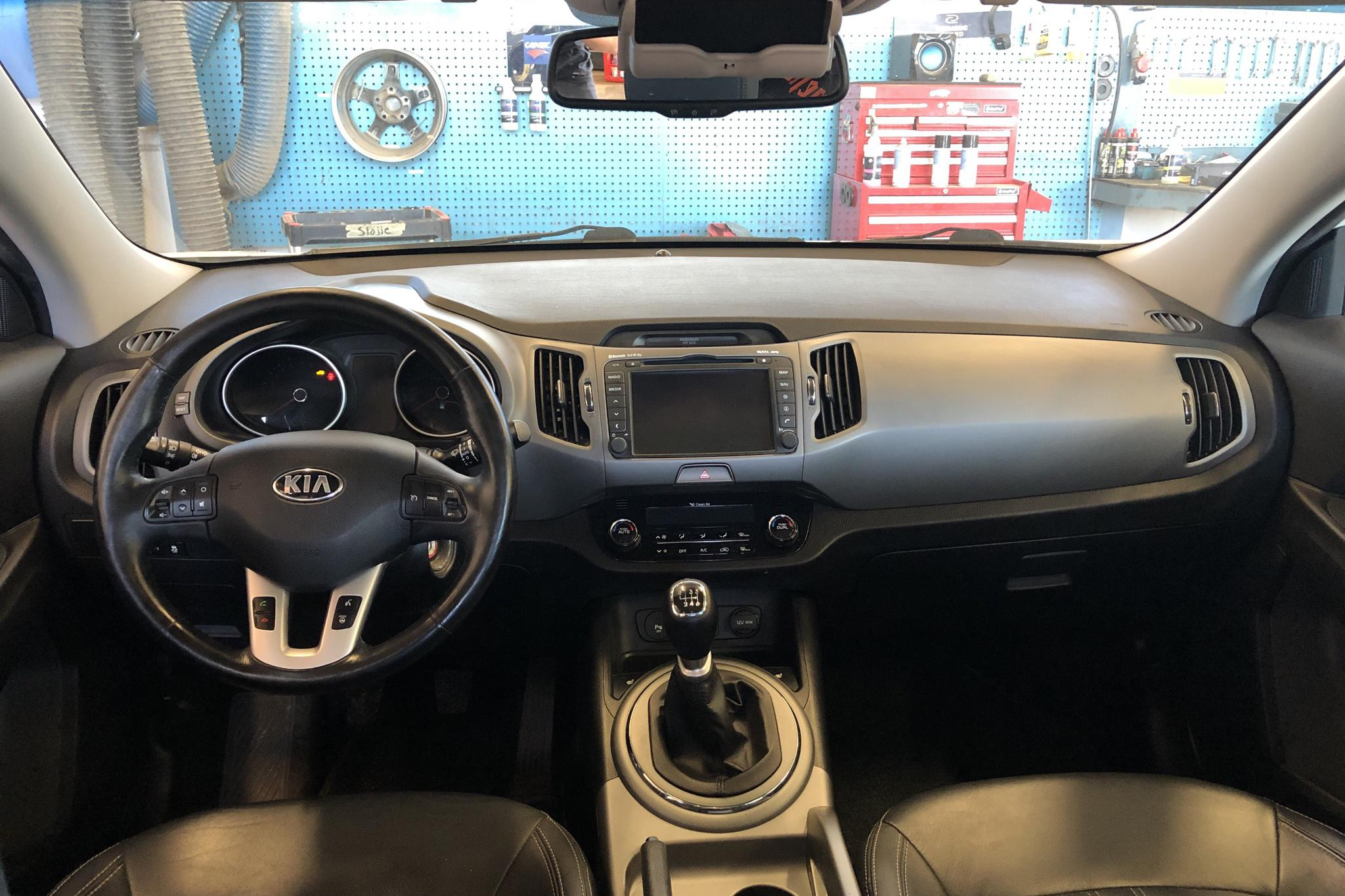 KIA Sportage 1.6 2WD (136hk) - 8 185 mil - Manuell - vit - 2014