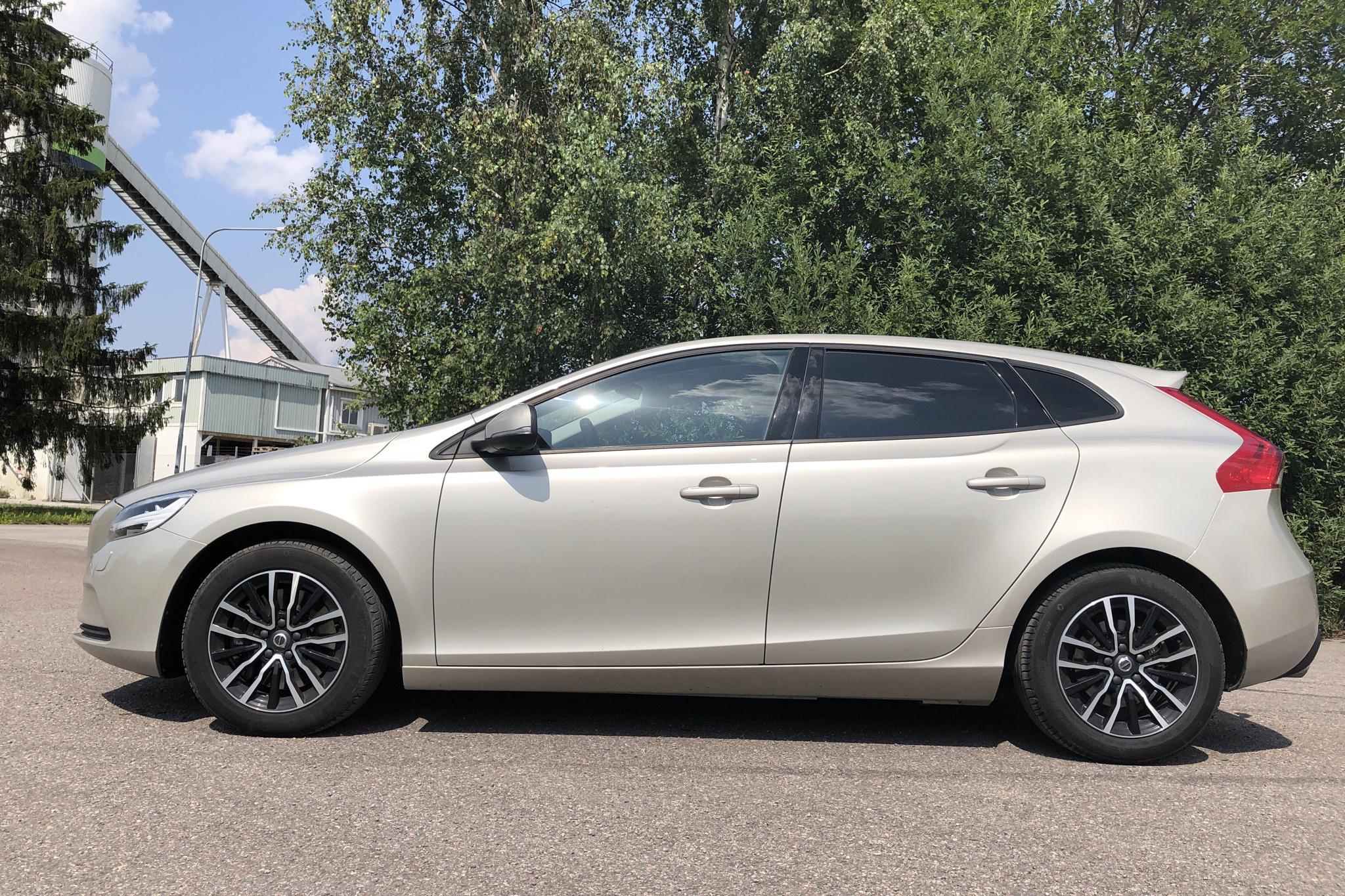 Volvo V40 D4 (200hk) - 10 141 mil - Automat - Light Brown - 2017