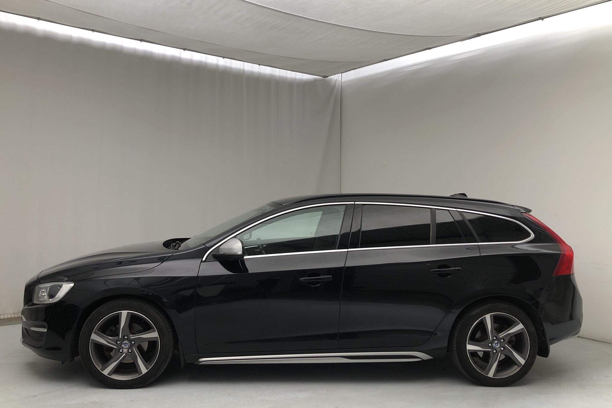 Volvo V60 D4 (163hk) - 14 205 mil - Automat - svart - 2014