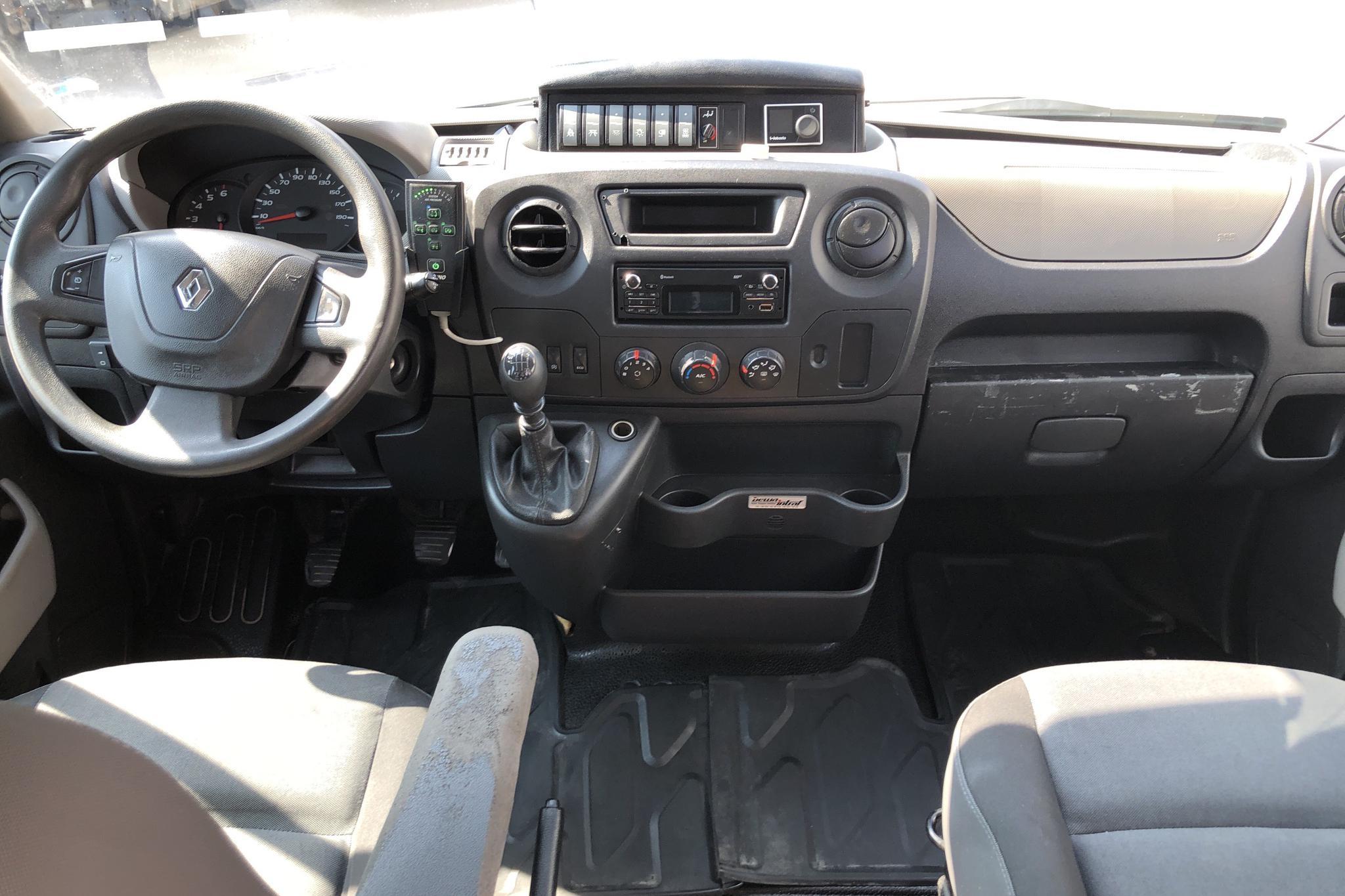 Renault Master 2.3 dCi Pickup/Chassi 2WD (145hk) - 377 360 km - Manual - white - 2016