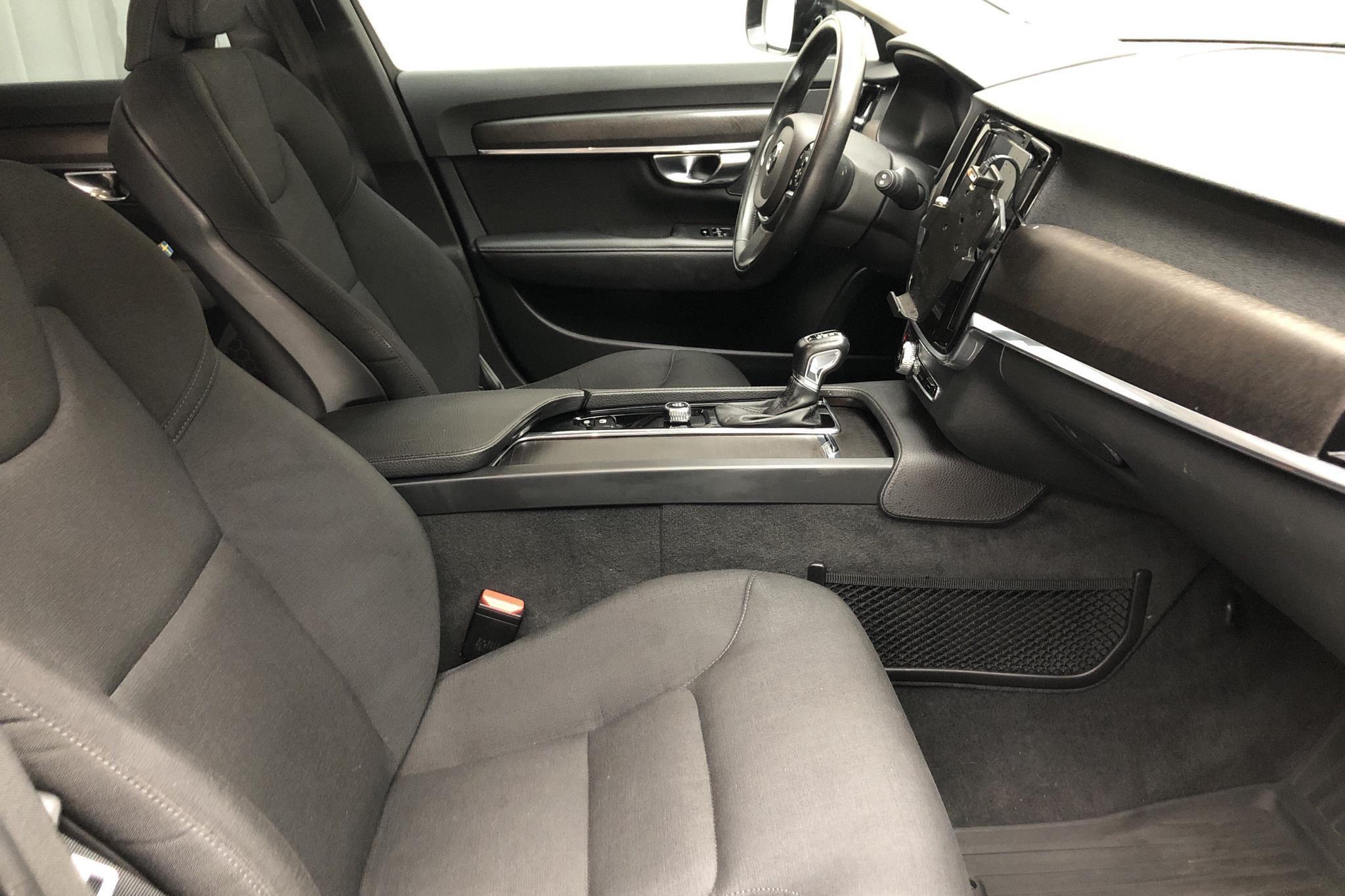 Volvo V90 D4 Cross Country AWD (190hk) - 120 980 km - Automatic - black - 2019