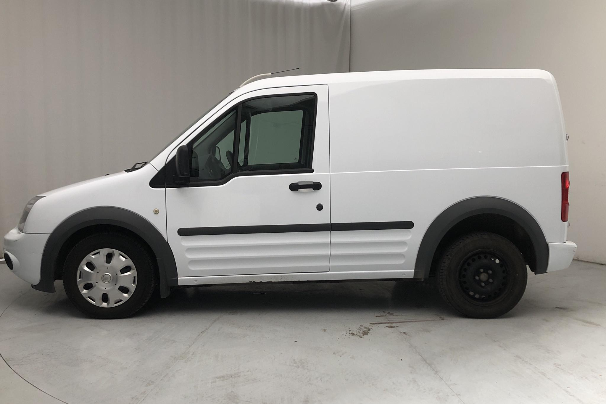Ford Transit Connect 1.8 TDCi (90hk) - 7 134 mil - Manuell - vit - 2010