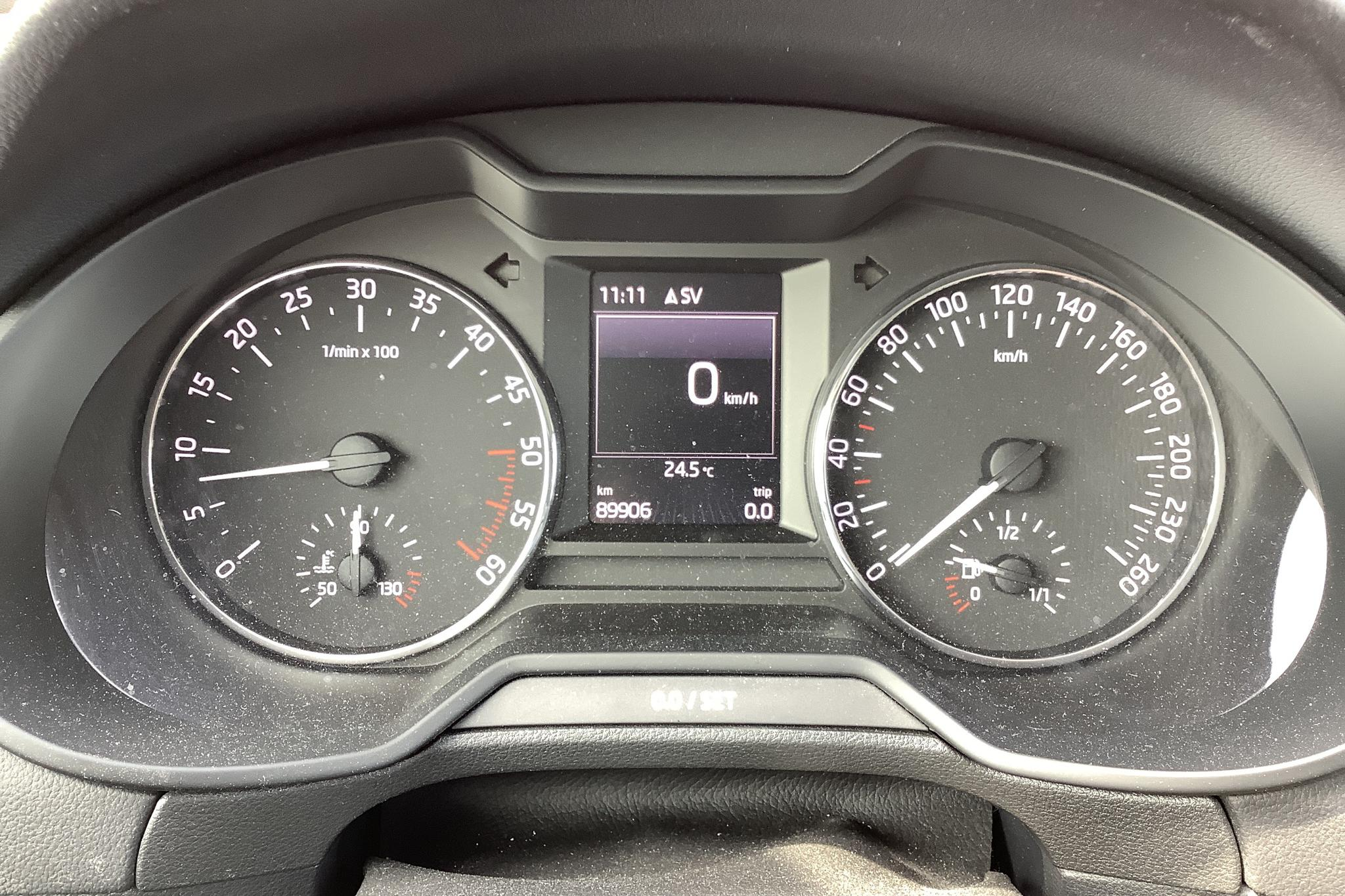 Skoda Octavia III 2.0 TDI CR Combi (150hk) - 8 991 mil - Manuell - grå - 2017