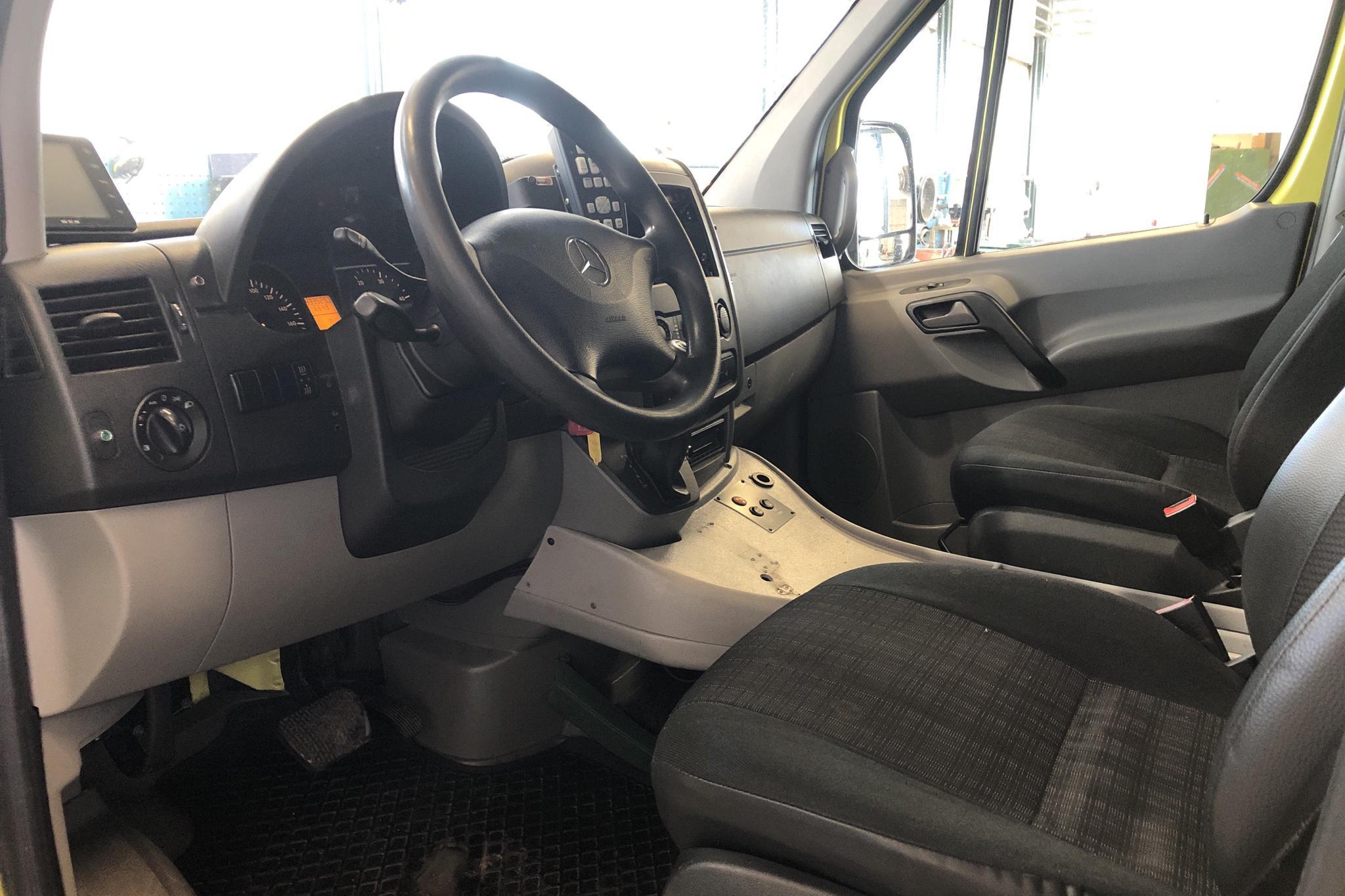Mercedes Sprinter 316 CDI Ambulans (163hk) - 433 530 km - Automatic - yellow - 2014