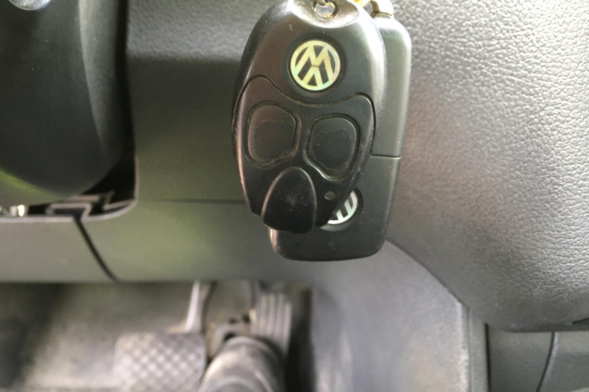 VW Caddy 1.6 TDI Skåp (102hk) - 132 040 km - Automatic - white - 2014