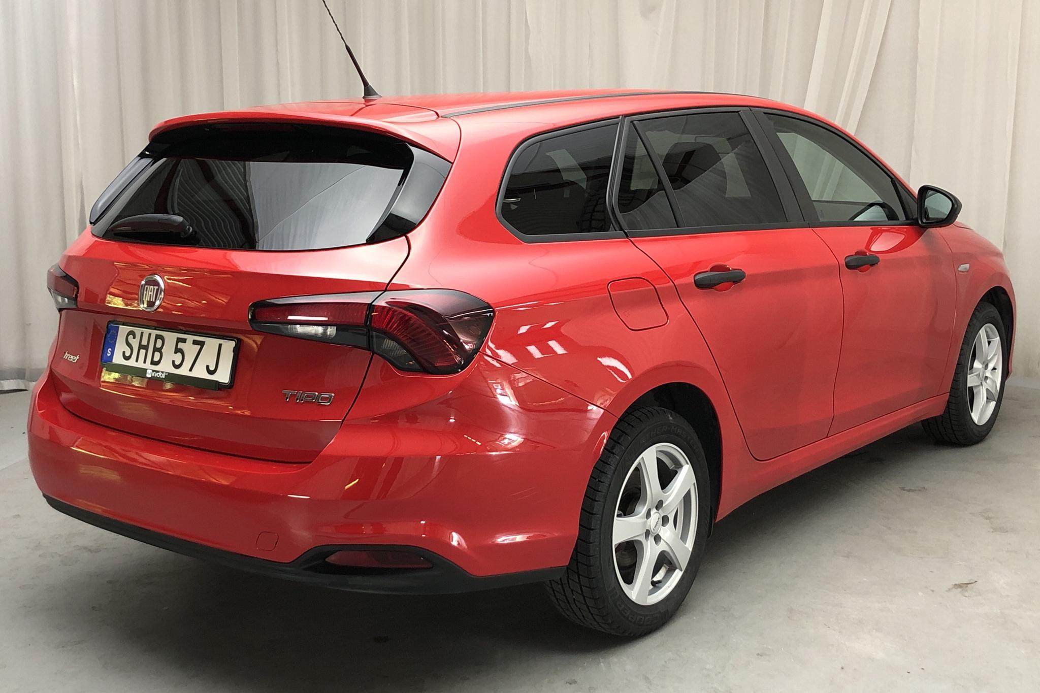 Fiat Tipo 1.4 Kombi (95hk) - 5 368 mil - Manuell - röd - 2019