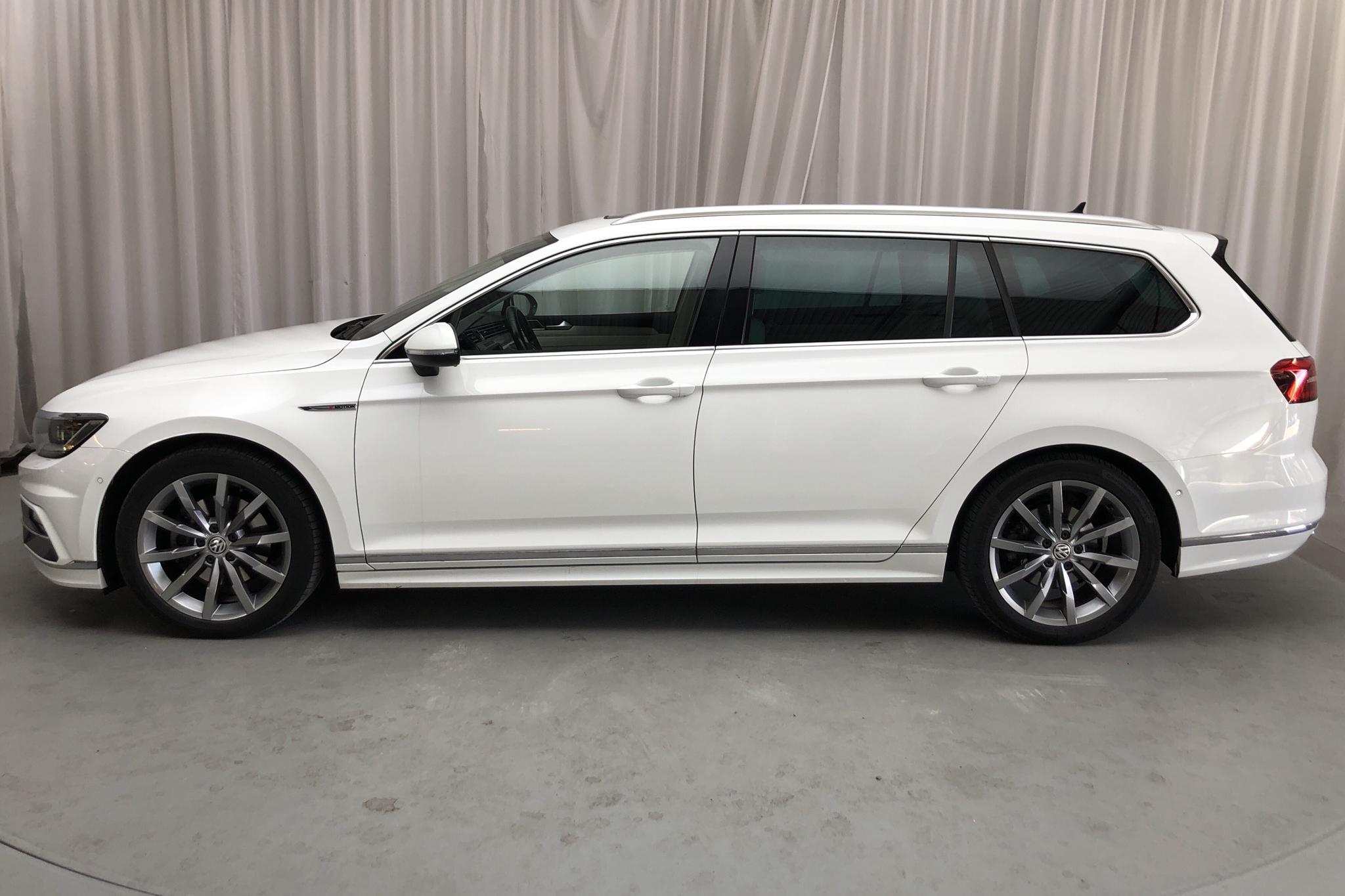 VW Passat 2.0 TDI Sportscombi 4MOTION (190hk) - 106 280 km - Automatic - white - 2018