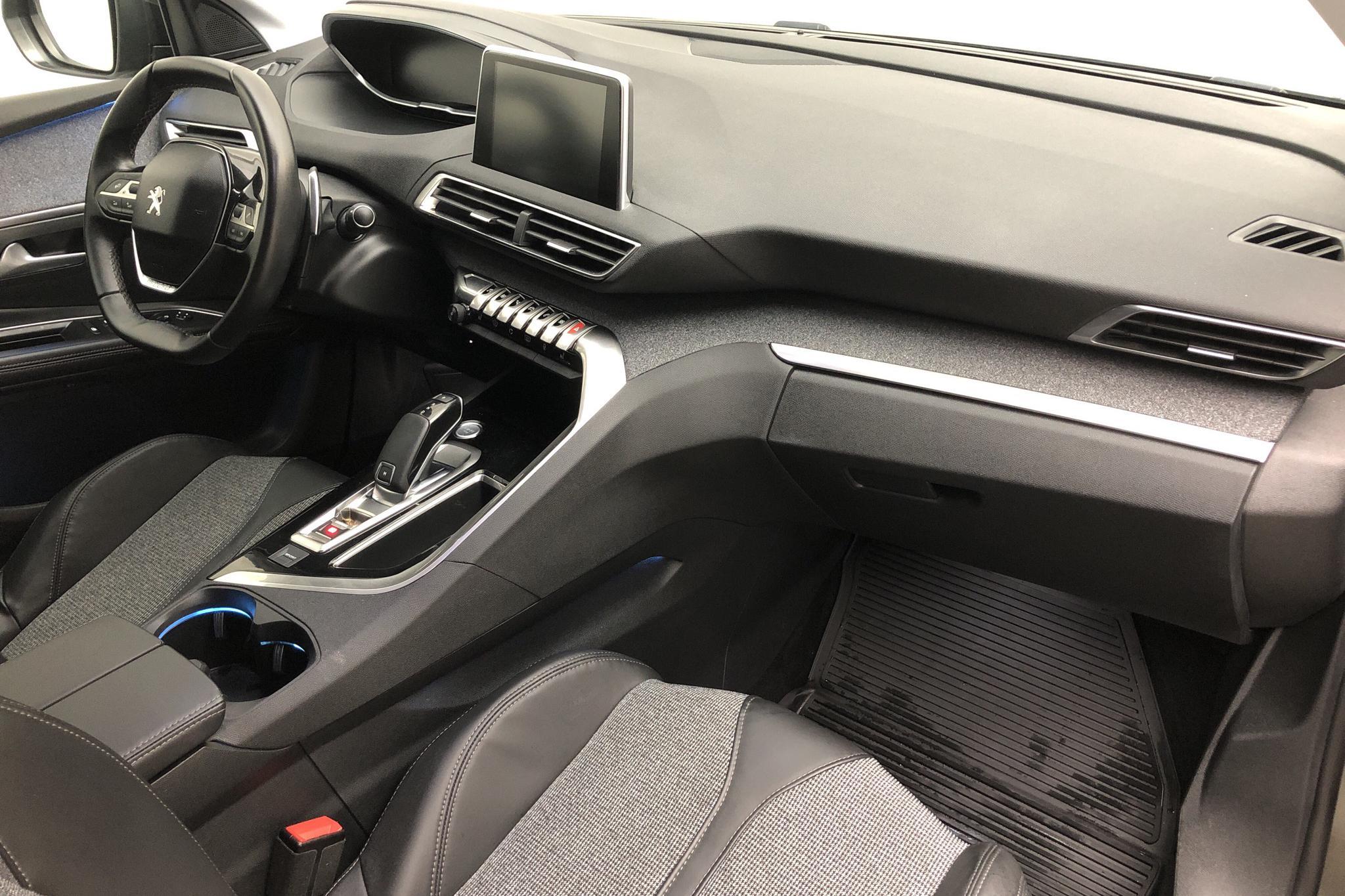 Peugeot 5008 1.6 BlueHDi (120hk) - 7 961 mil - Automat - 2018