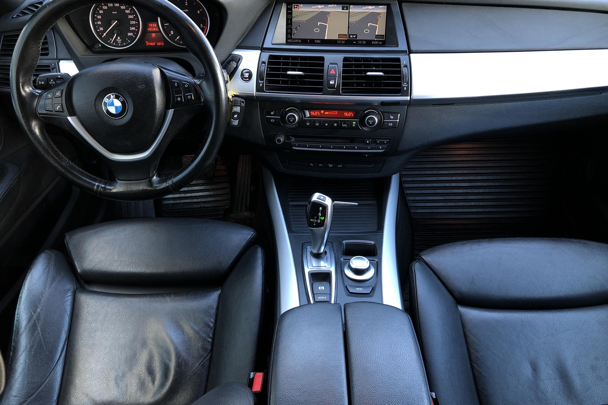 BMW X5 xDrive3.0dA, E70 (235hk) - 210 000 km - Automatic - gray - 2009