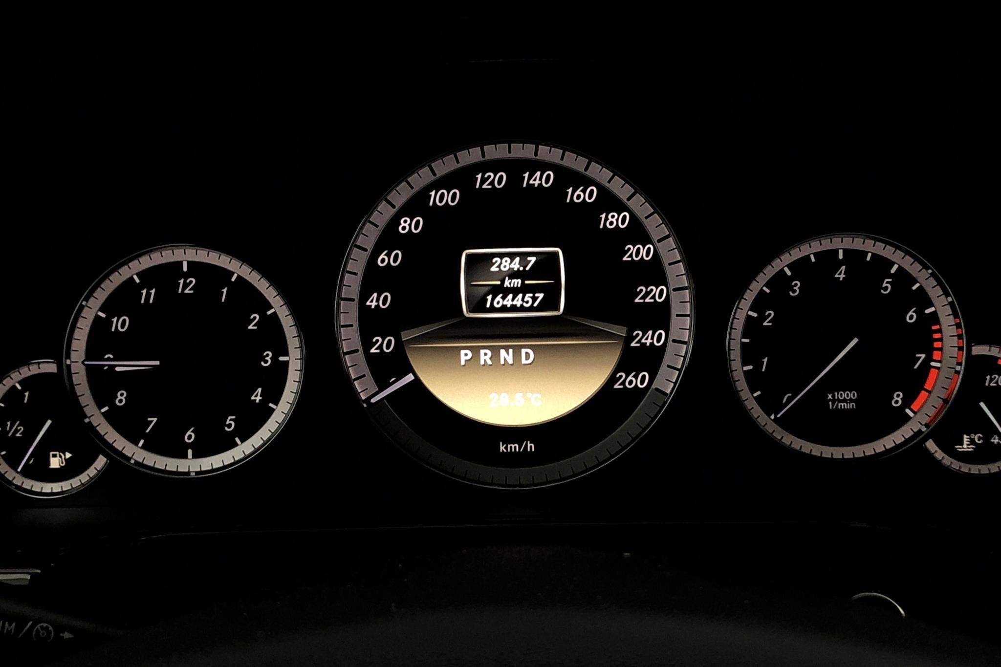 Mercedes E 200 NGT W212 (163hk) - 164 450 km - Automatic - Dark Blue - 2012