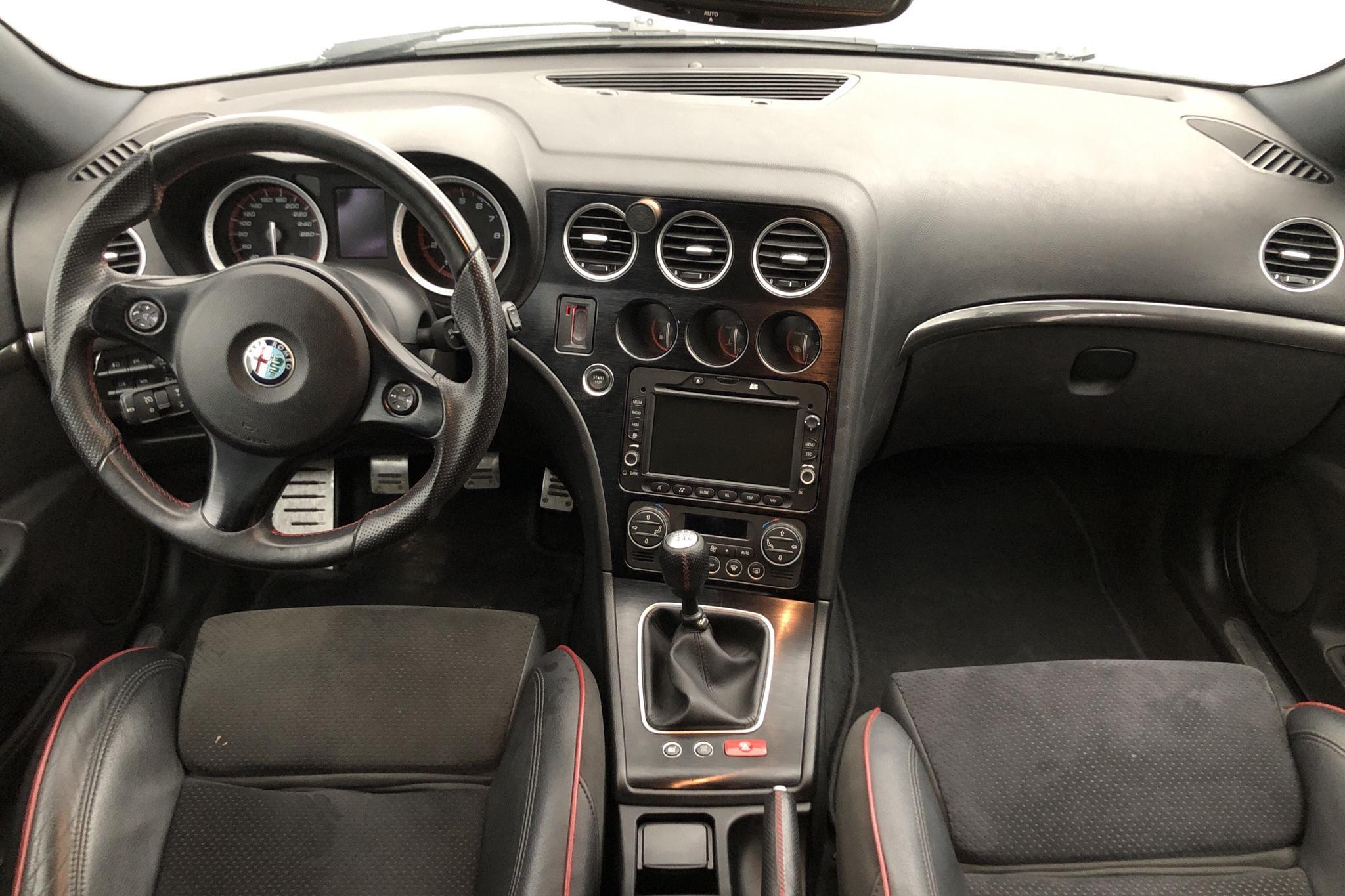 Alfa Romeo 159 1750 TBi Sportswagon (200hk) - 12 102 mil - Manuell - svart - 2011