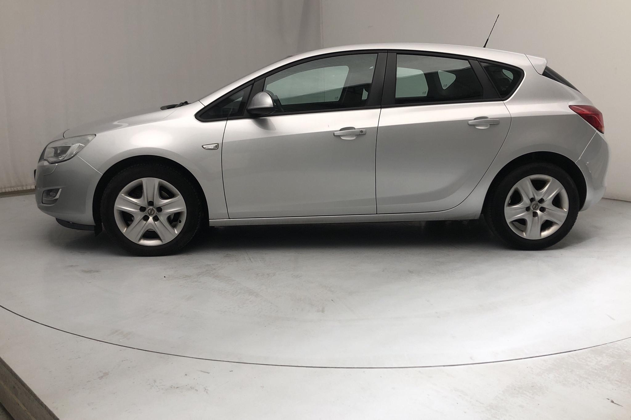 Opel Astra 1.7 CDTI ecoFLEX 5dr (125hk) - 16 229 mil - Manuell - grå - 2011