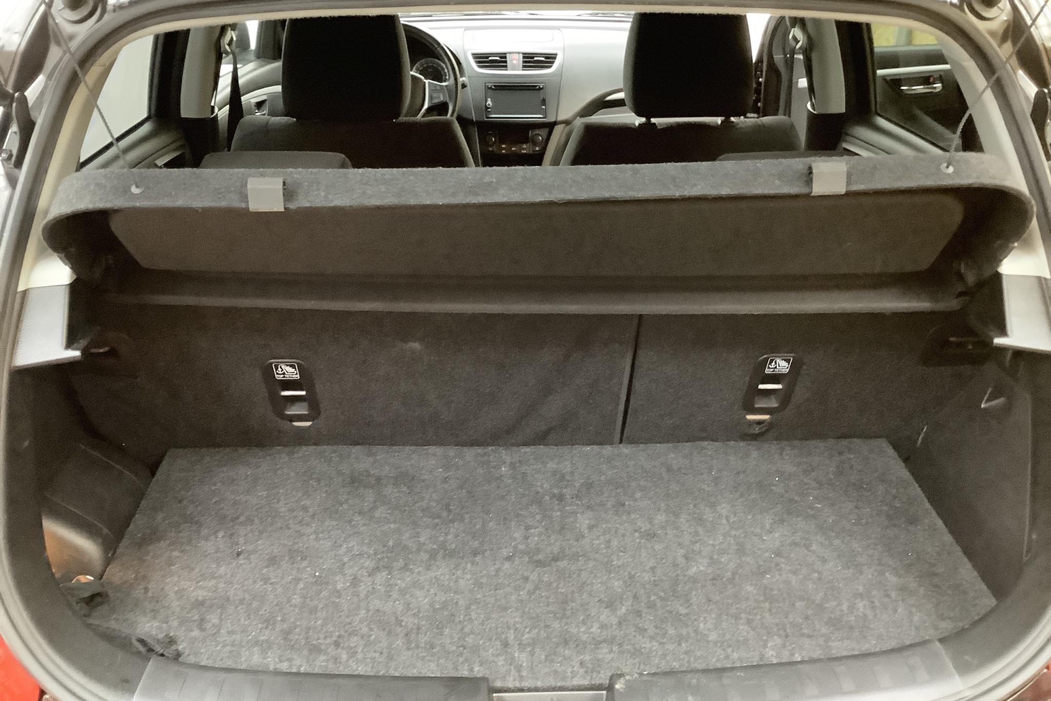 Suzuki Swift 1.2 4x4 5dr (94hk) - 10 018 mil - Manuell - brun - 2014