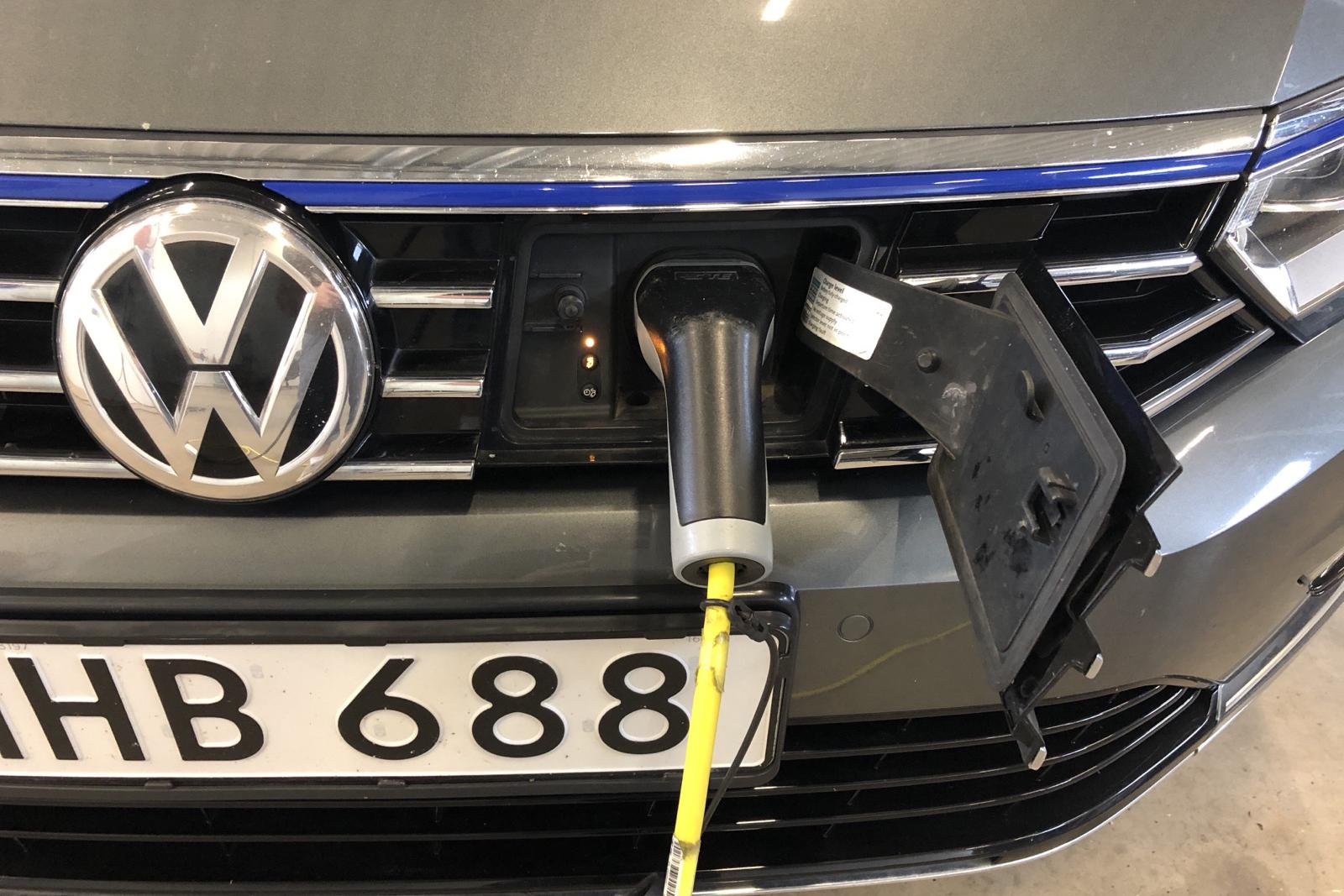 VW Passat 1.4 Plug-in-Hybrid Sportscombi (218hk) - 95 740 km - Automatic - Dark Grey - 2016