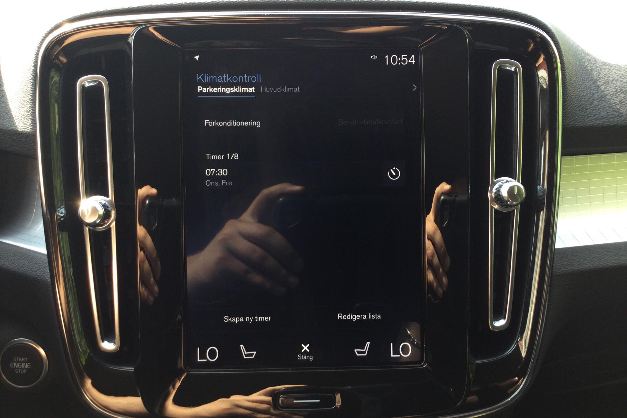 Volvo XC40 D3 2WD (150hk) - 3 362 mil - Automat - svart - 2019