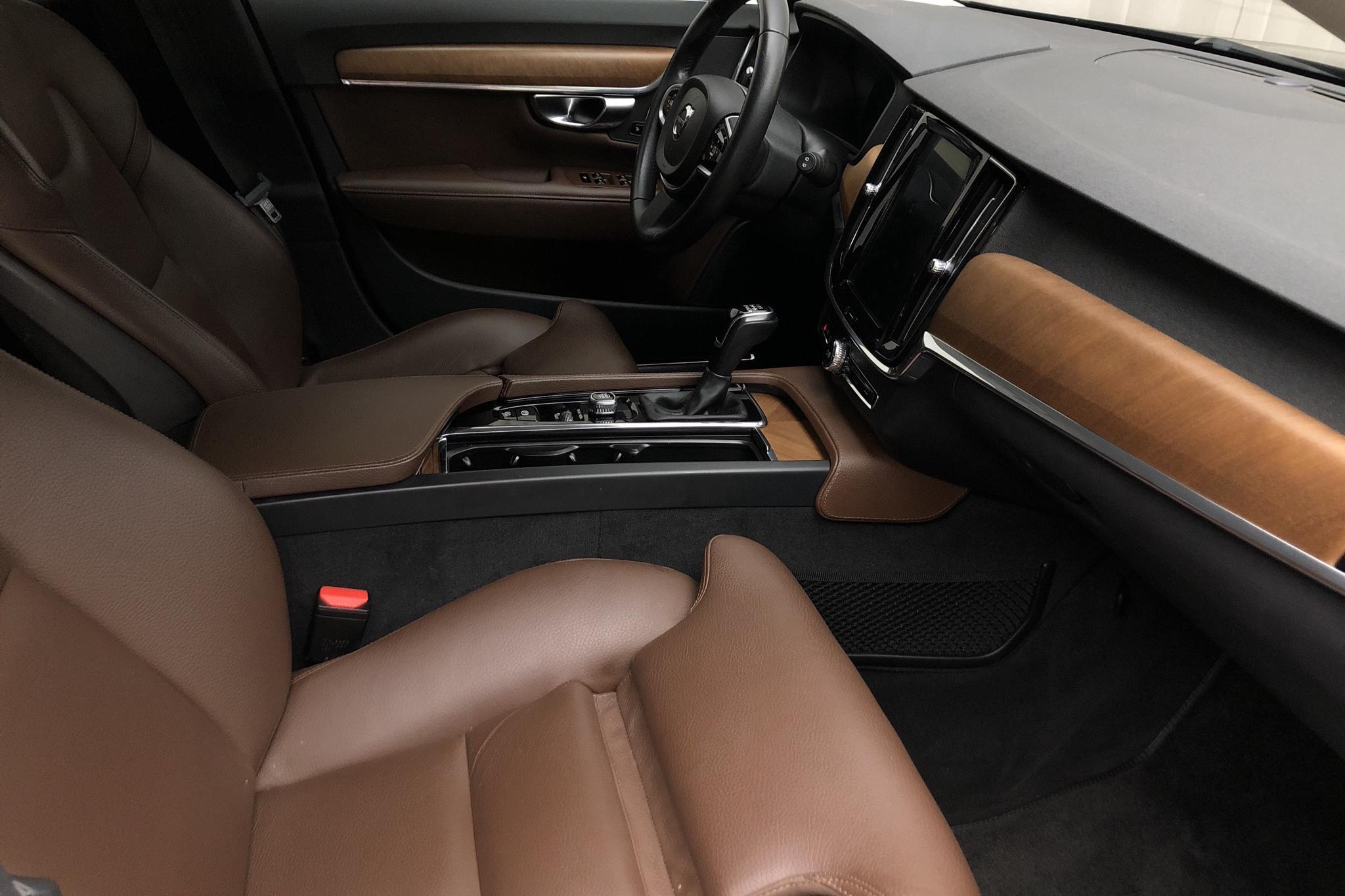 Volvo V90 D3 (150hk) - 9 573 mil - Manuell - svart - 2018