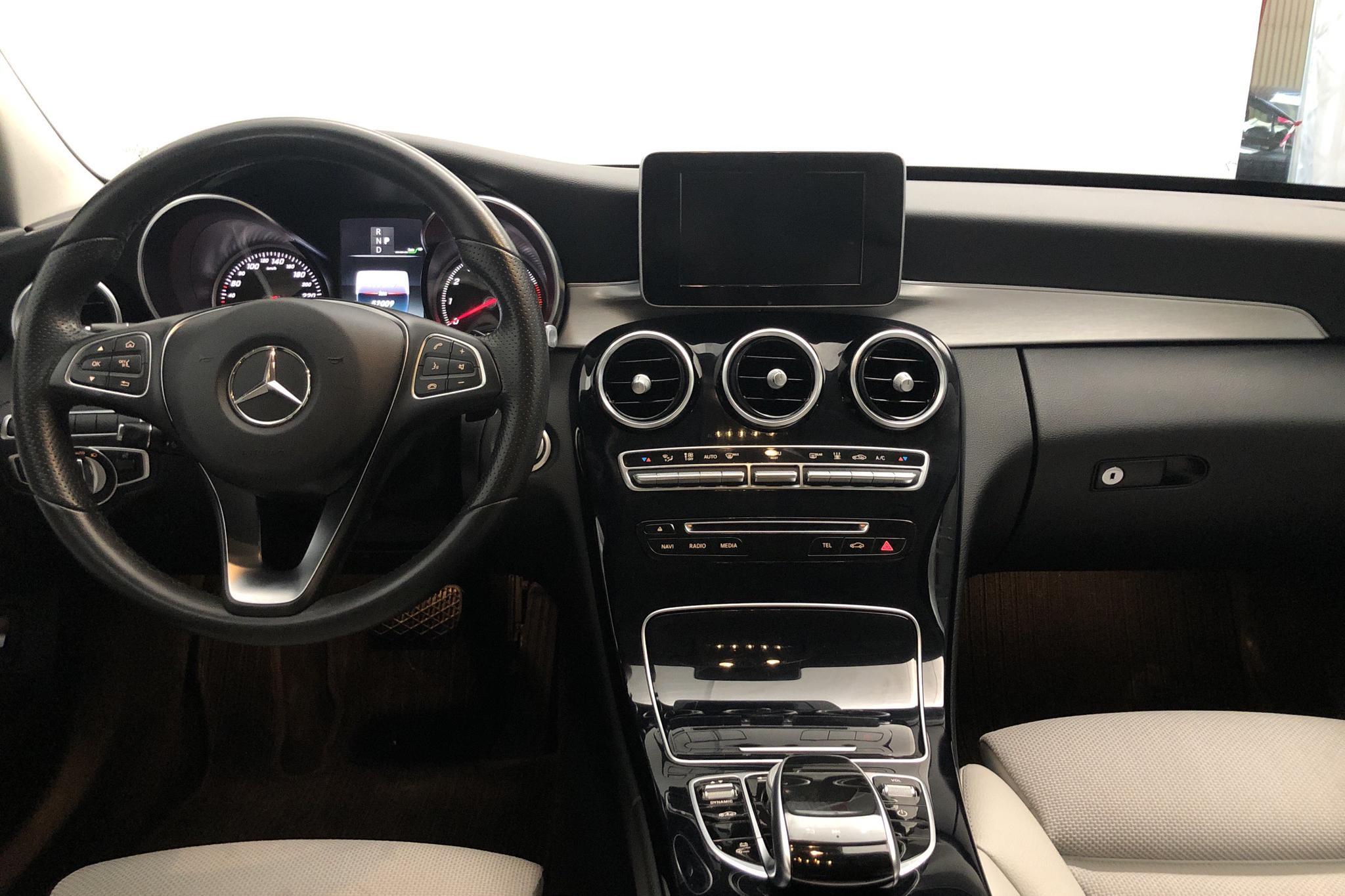 Mercedes C 350 e Kombi S205 (211hk) - 5 200 mil - Automat - grå - 2017