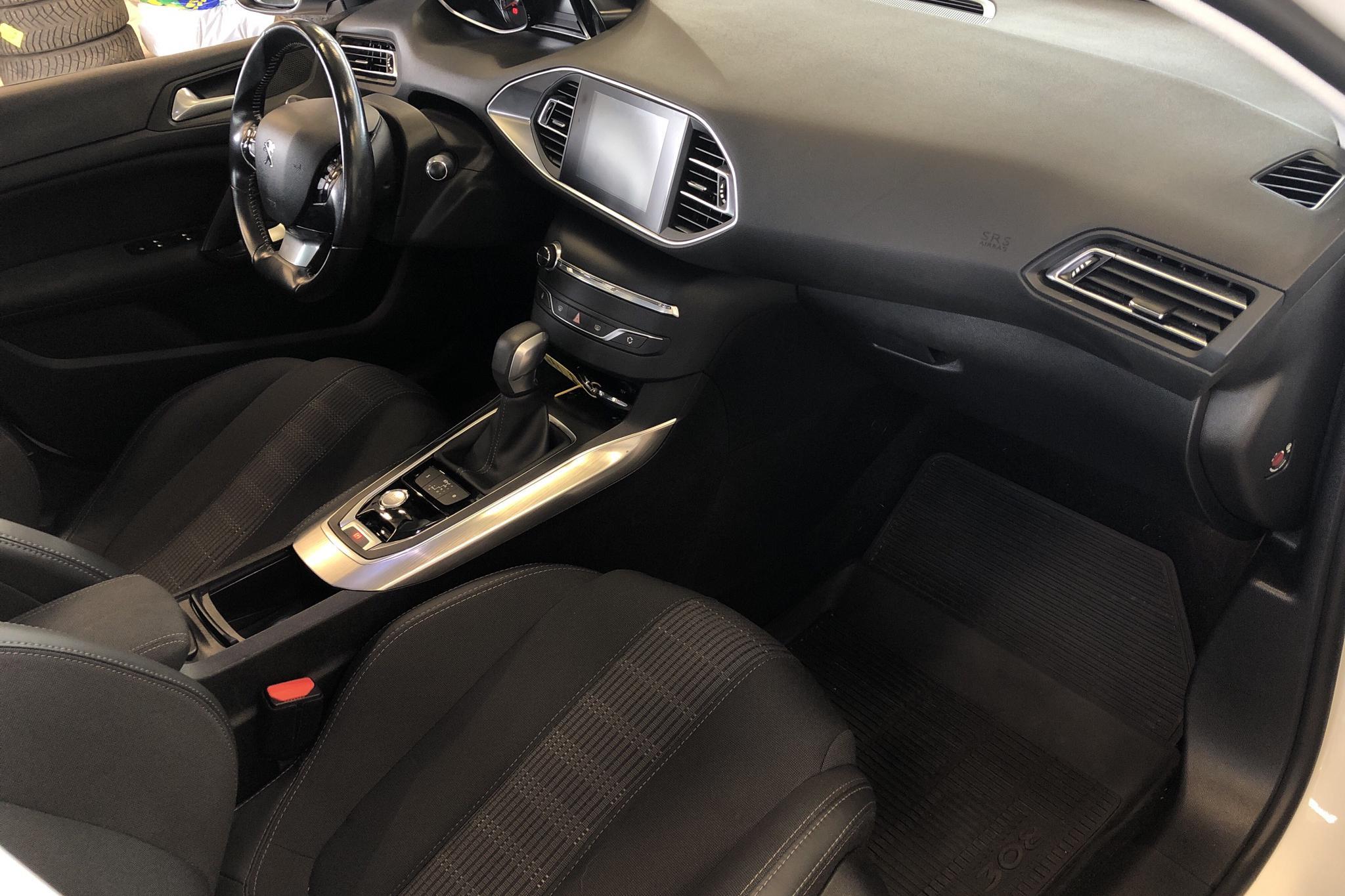 Peugeot 308 SW BlueHDi (120hk) - 123 690 km - Automatic - 2018