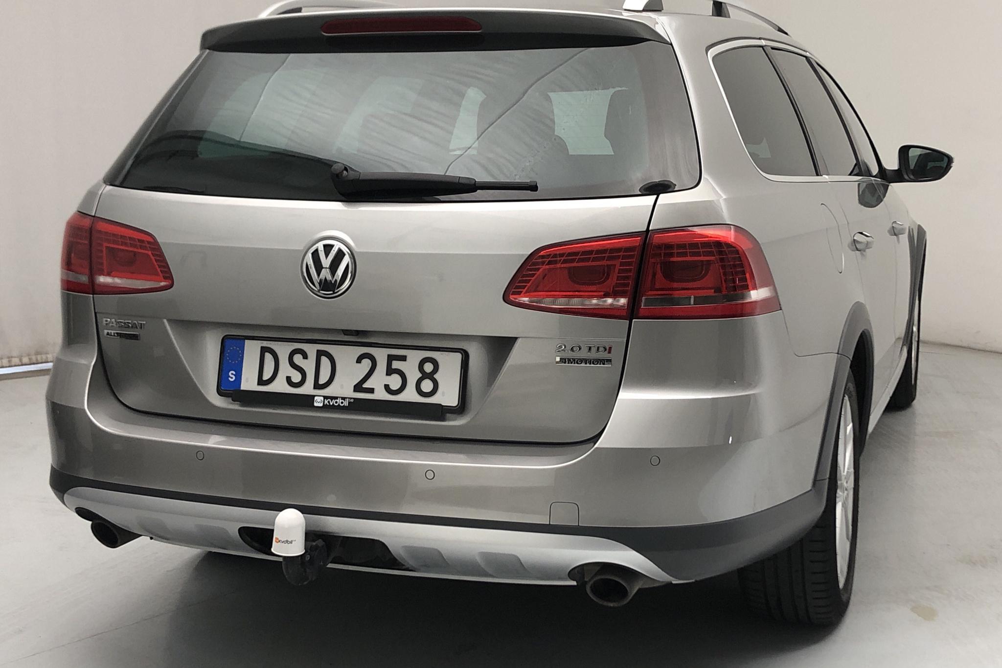 VW Passat Alltrack 2.0 TDI BlueMotion Technology 4Motion (177hk) - 13 738 mil - Automat - silver - 2015
