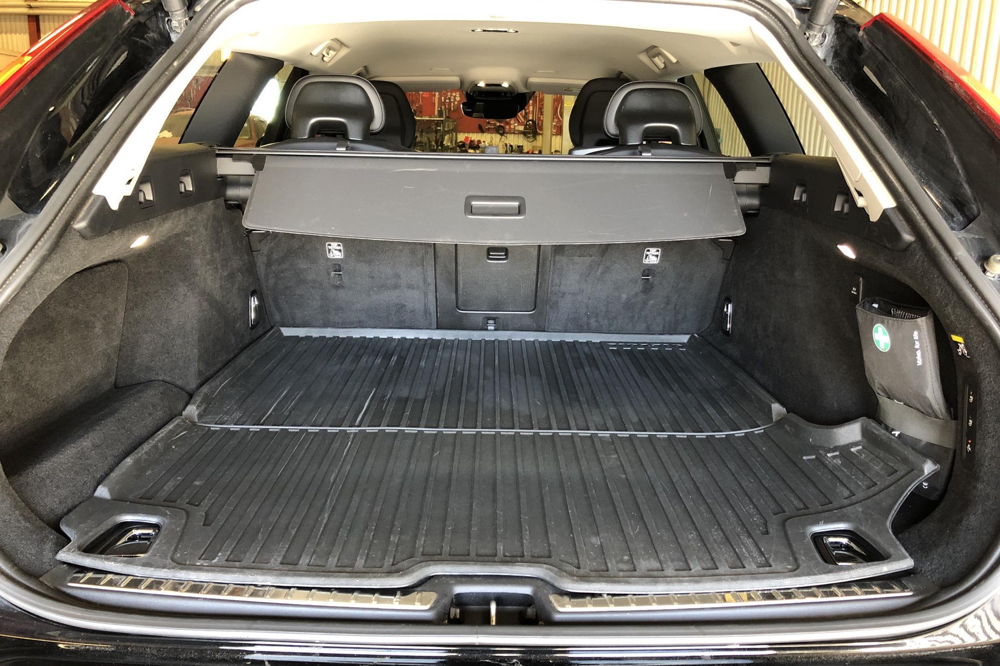 Volvo V90 D3 AWD (150hk) - 89 980 km - Automatic - black - 2018