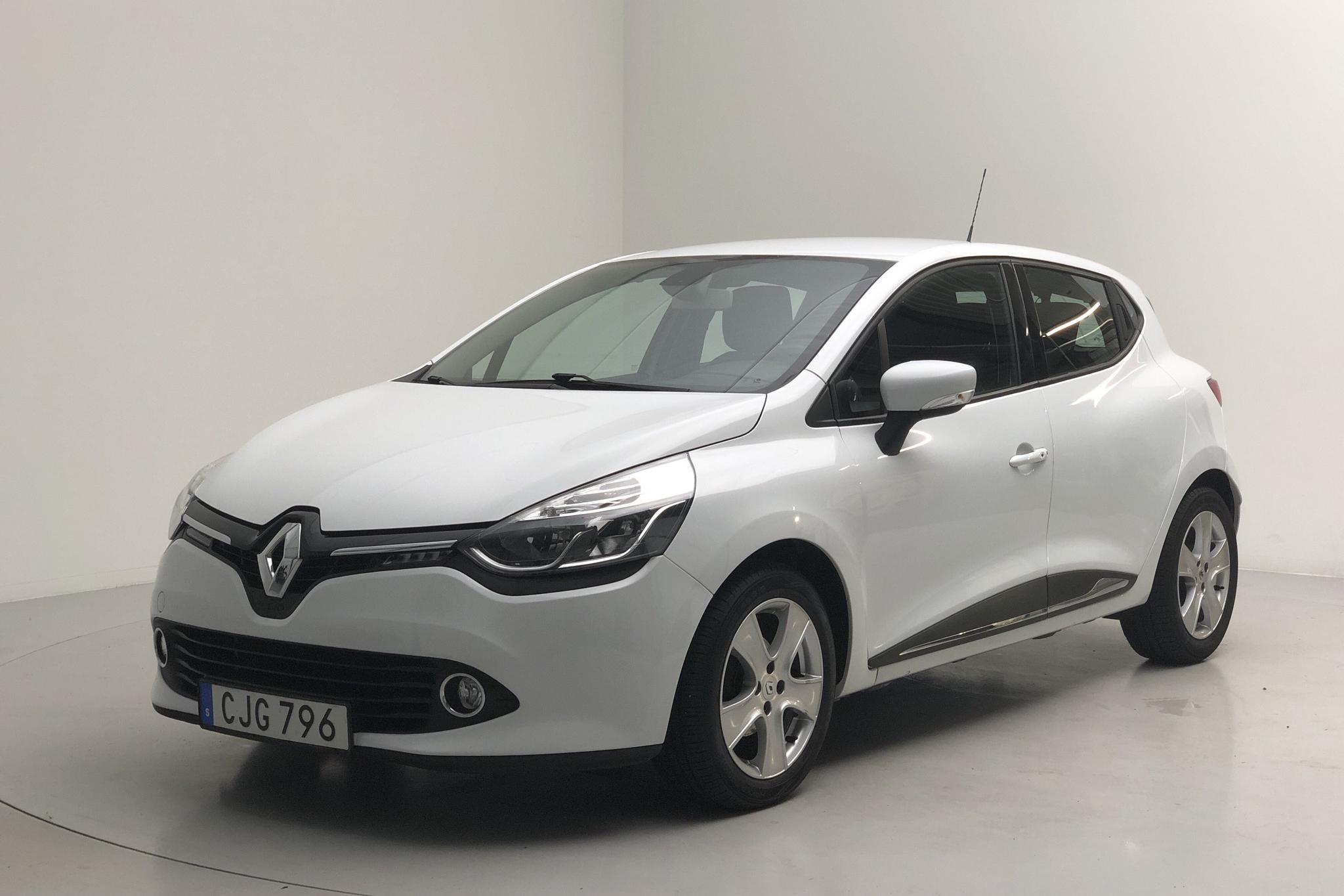 Renault Clio IV 0.9 TCe 90 5dr (90hk) - 69 110 km - Manual - white - 2014