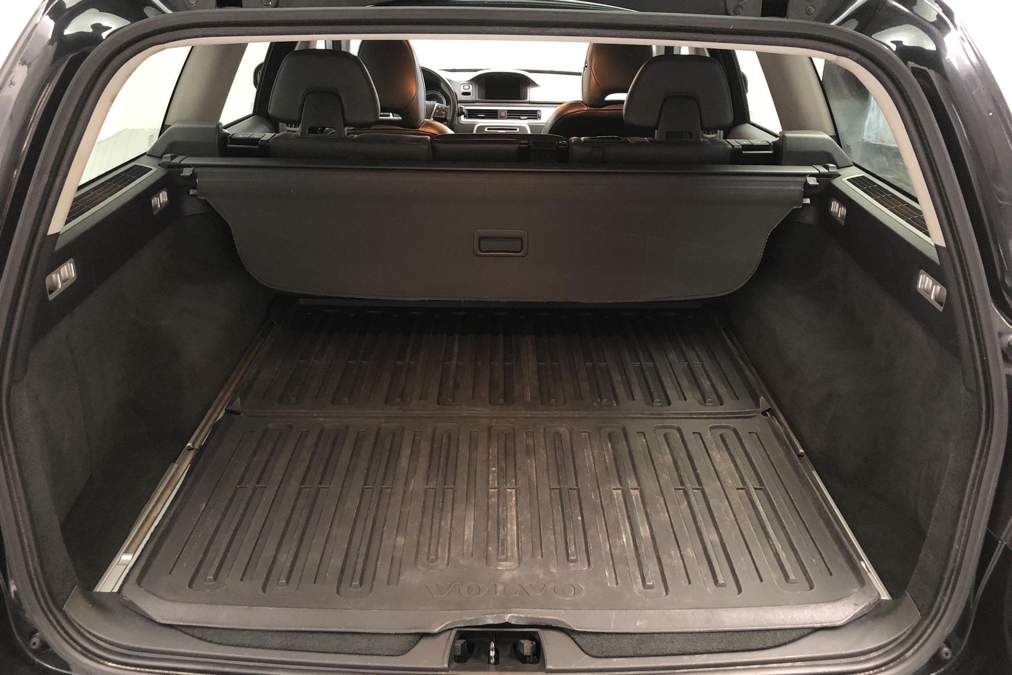 Volvo V70 II D4 (163hk) - 19 217 mil - Manuell - svart - 2013