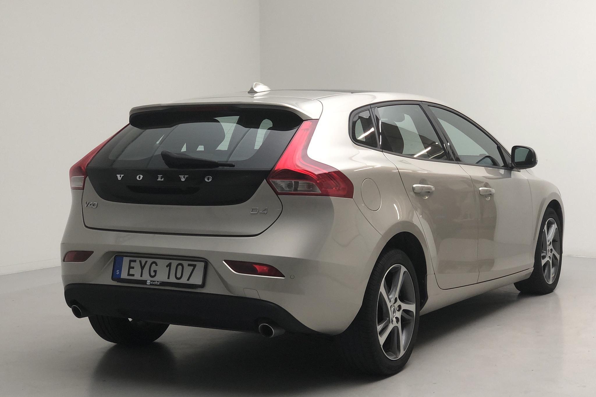 Volvo V40 D4 (190hk) - 92 130 km - Automatic - Light Brown - 2017
