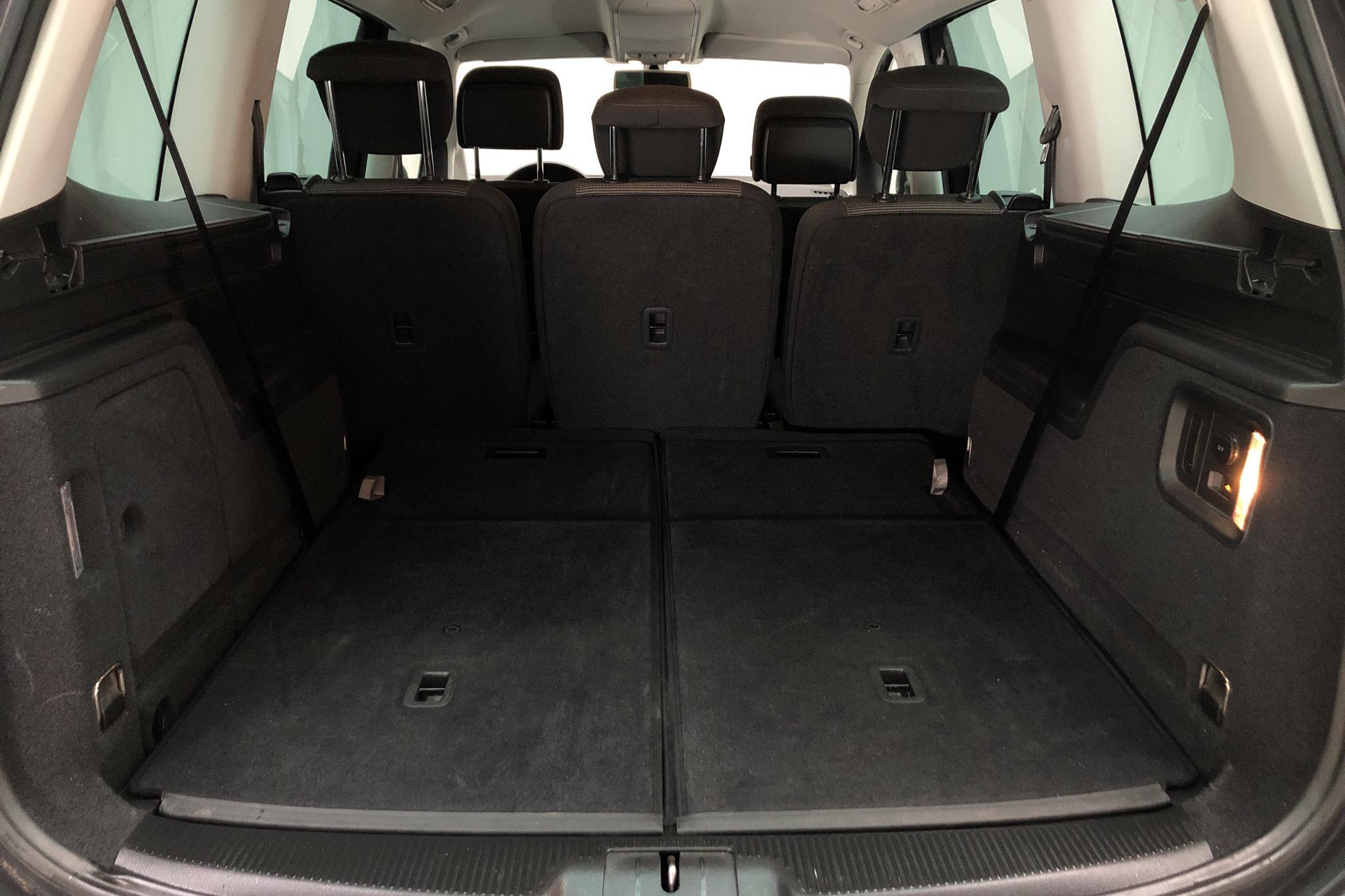 VW Sharan 2.0 TDI BlueMotion Technology (140hk) - 16 007 mil - Automat - Dark Grey - 2014