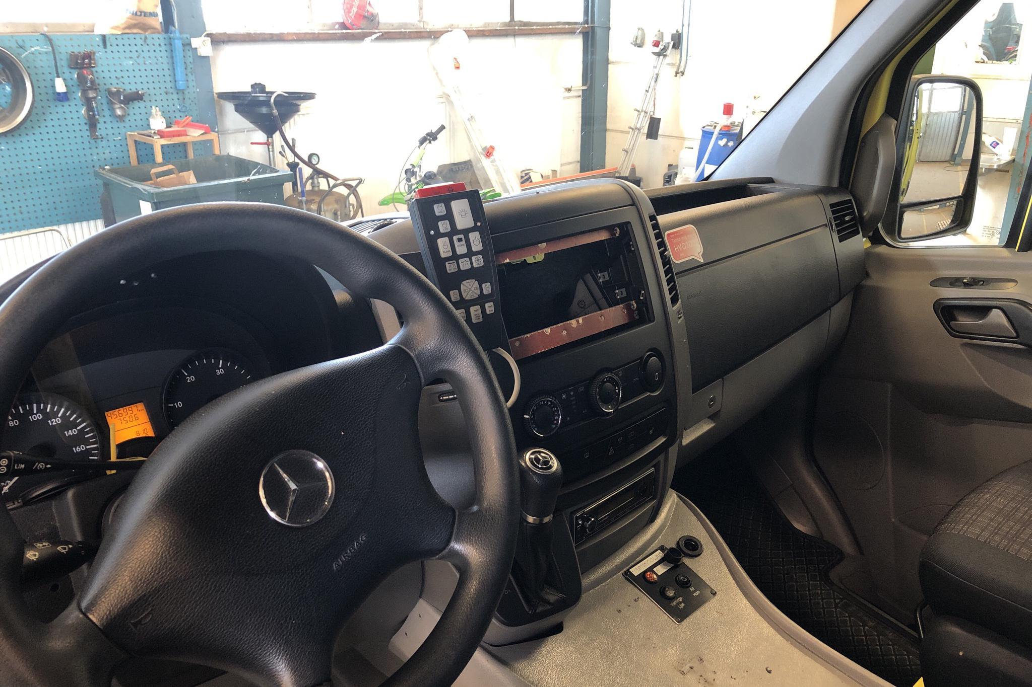Mercedes Sprinter Ambulans 316 CDI (163hk) - 456 990 km - Automatic - yellow - 2014