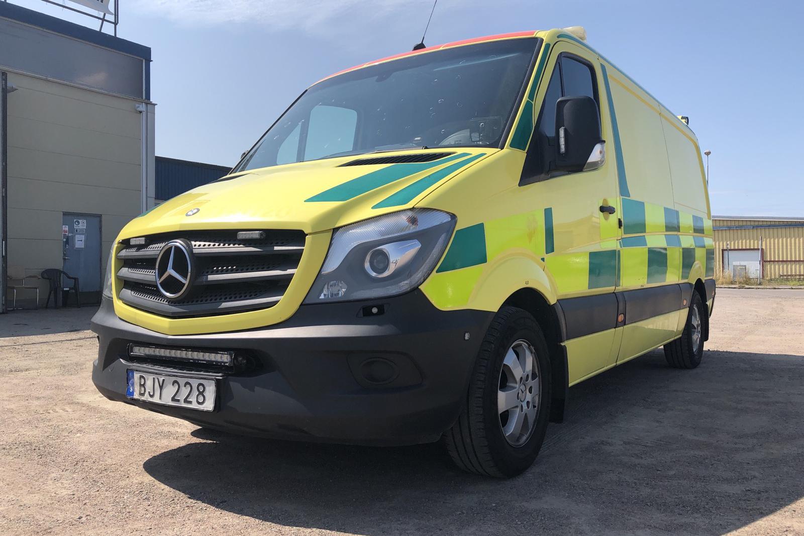 Mercedes Sprinter Ambulans 316 CDI (163hk) - 415 650 km - Automatic - yellow - 2014