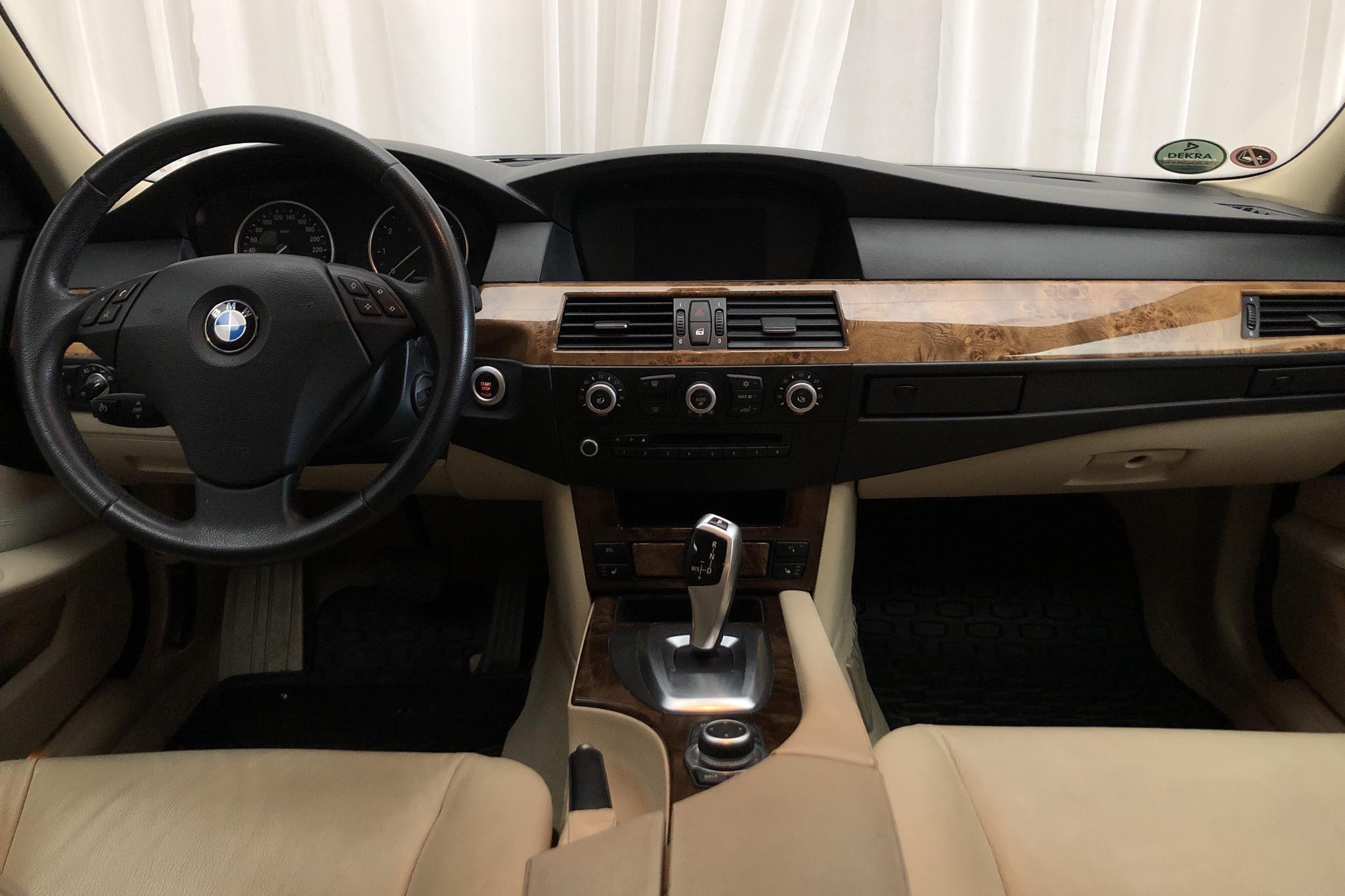 BMW 523i Touring, E61 (190hk) - 176 230 km - Automatic - white - 2009