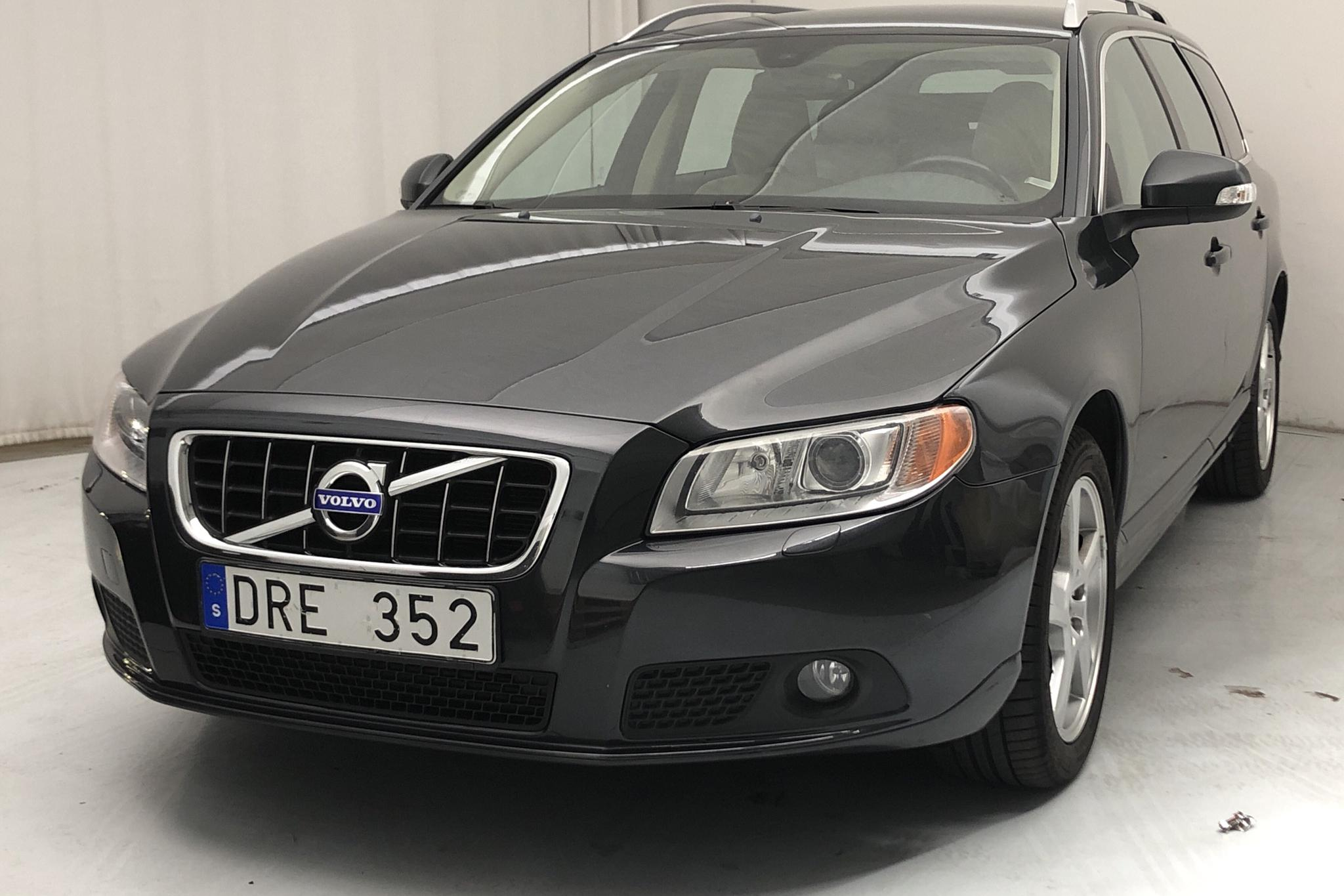 Volvo V70 II D5 AWD (205hk) - 15 960 mil - Automat - grå - 2011