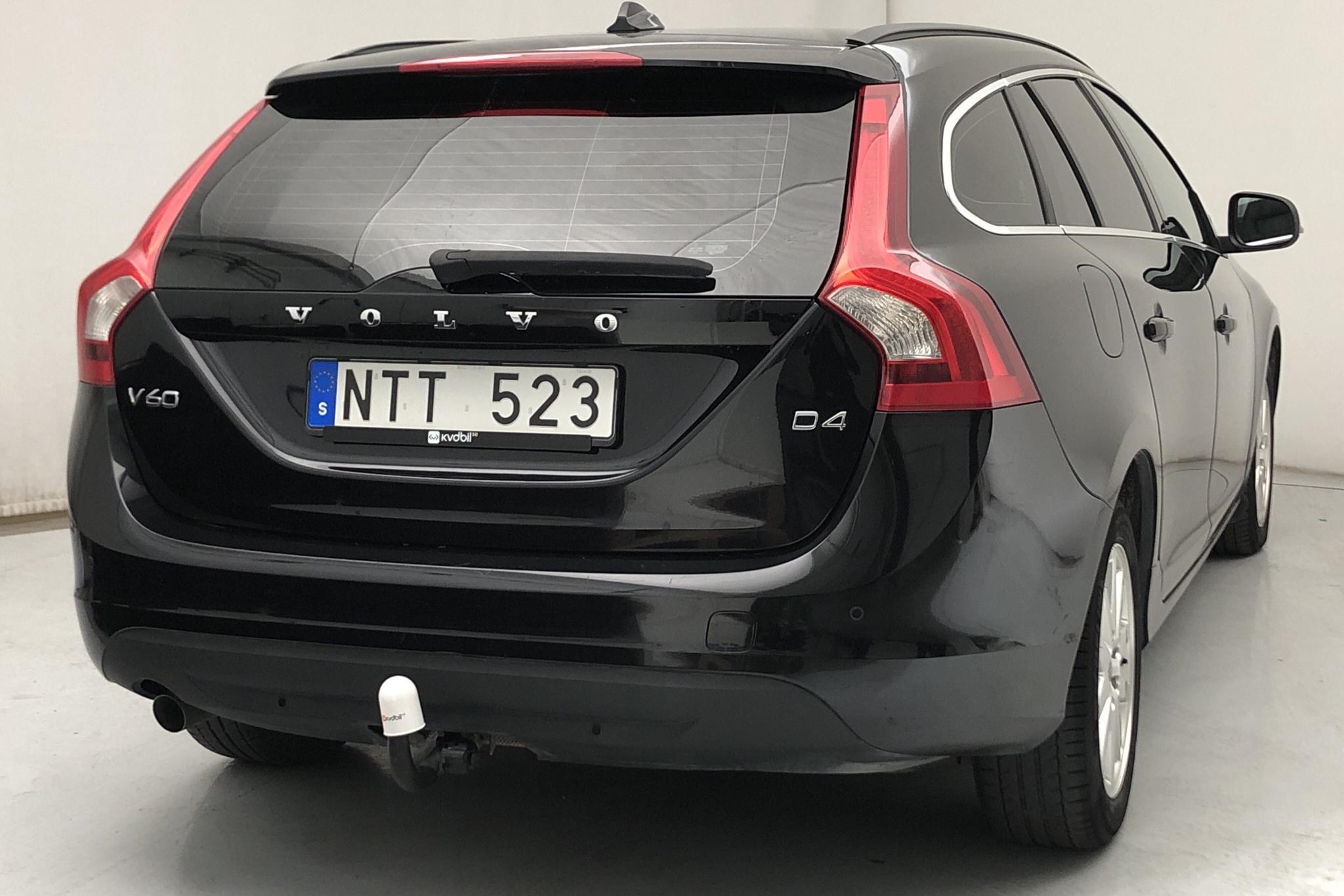 Volvo V60 D4 (163hk) - 275 910 km - Automatic - black - 2013