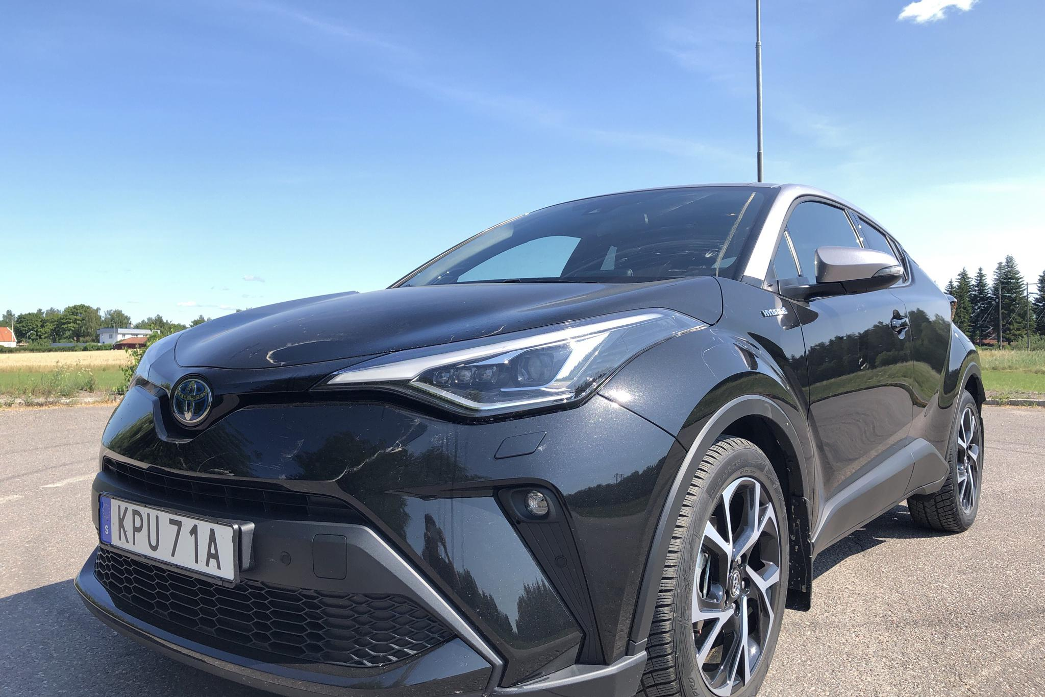 Toyota C-HR 1.8 HSD LCI (122hk) - 1 113 mil - Automat - svart - 2020