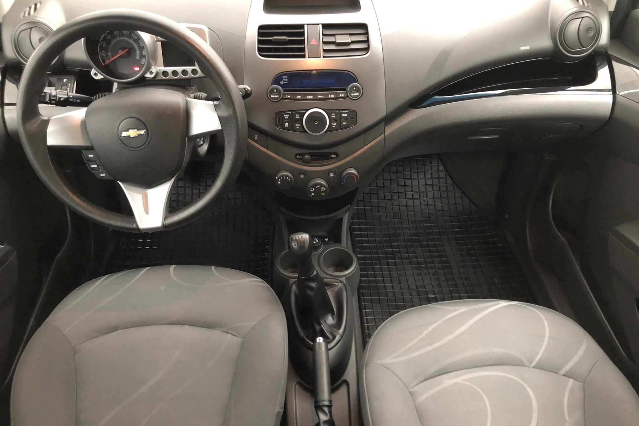 Chevrolet Spark 1.0 (63hk) - 7 907 mil - Manuell - grön - 2012