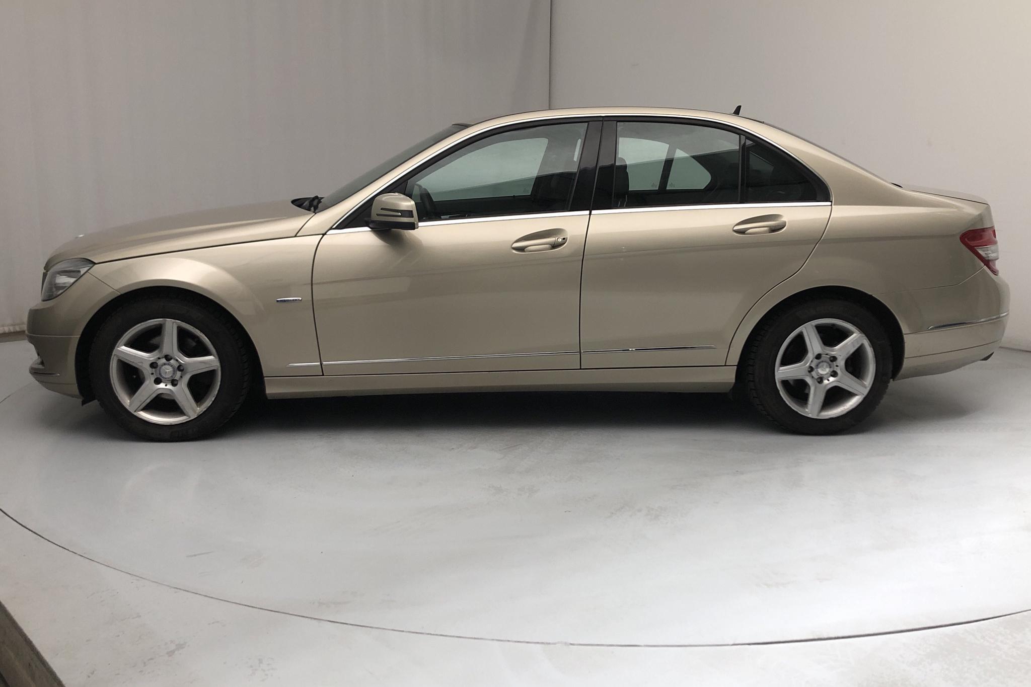 Mercedes C 180 CGI BlueEfficiency W204 (156hk) - 198 210 km - Automatic - Light Brown - 2010