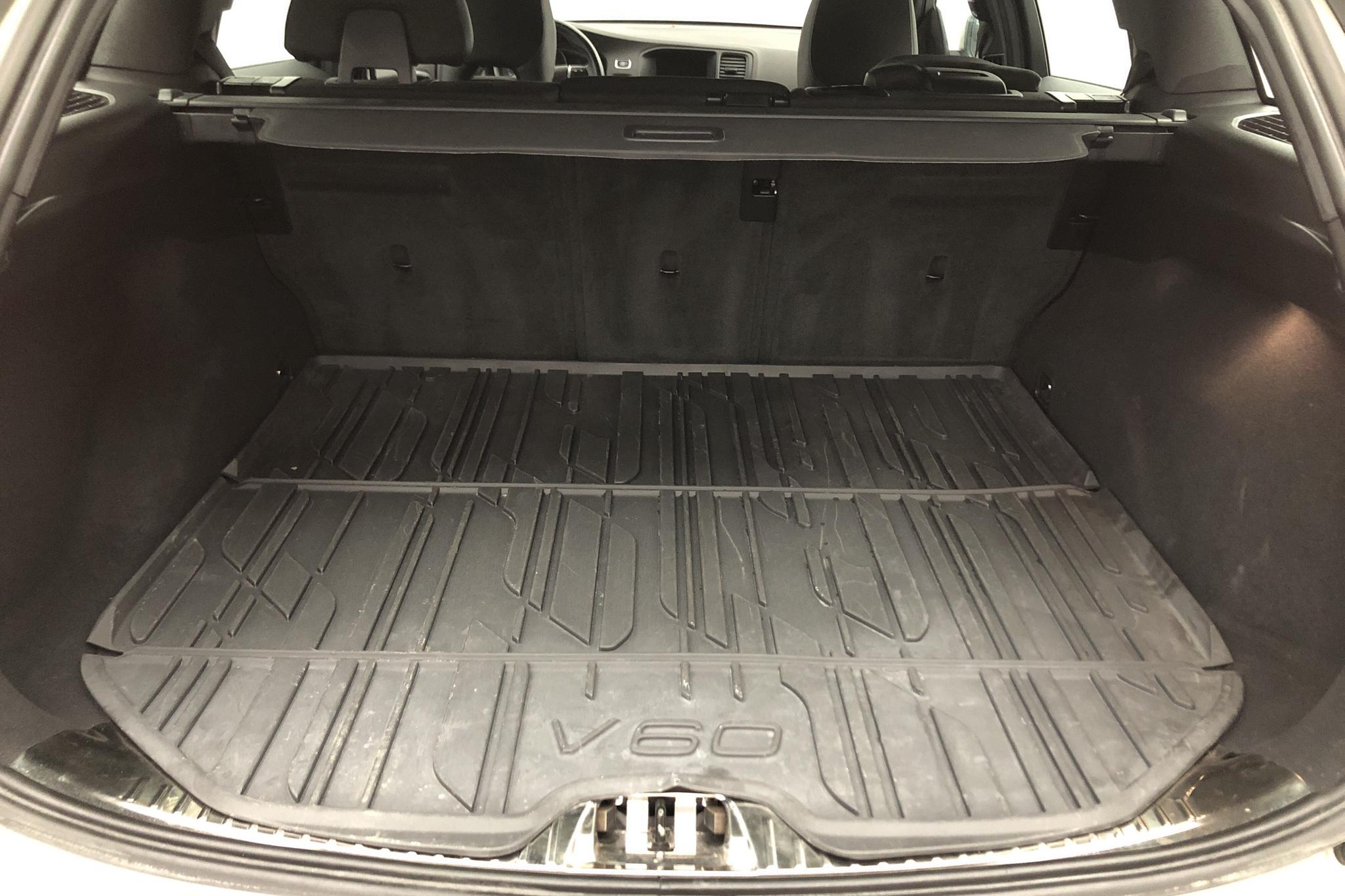 Volvo V60 D4 (190hk) - 10 195 mil - Manuell - Light Brown - 2017
