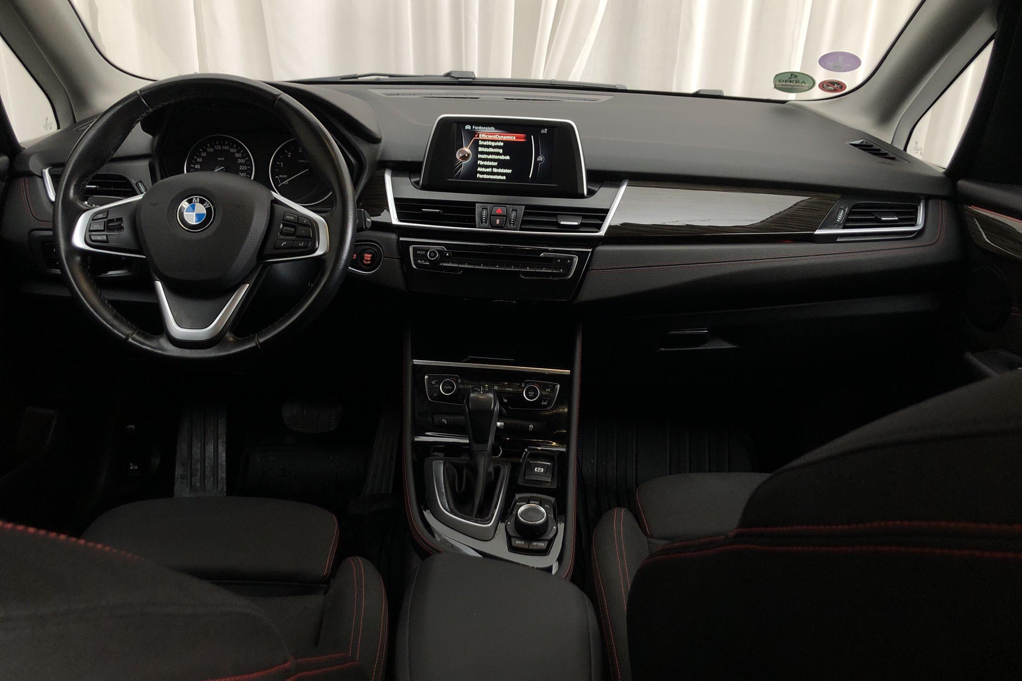 BMW 225i xDrive Active Tourer, F45 (231hk) - 11 476 mil - Automat - brun - 2015