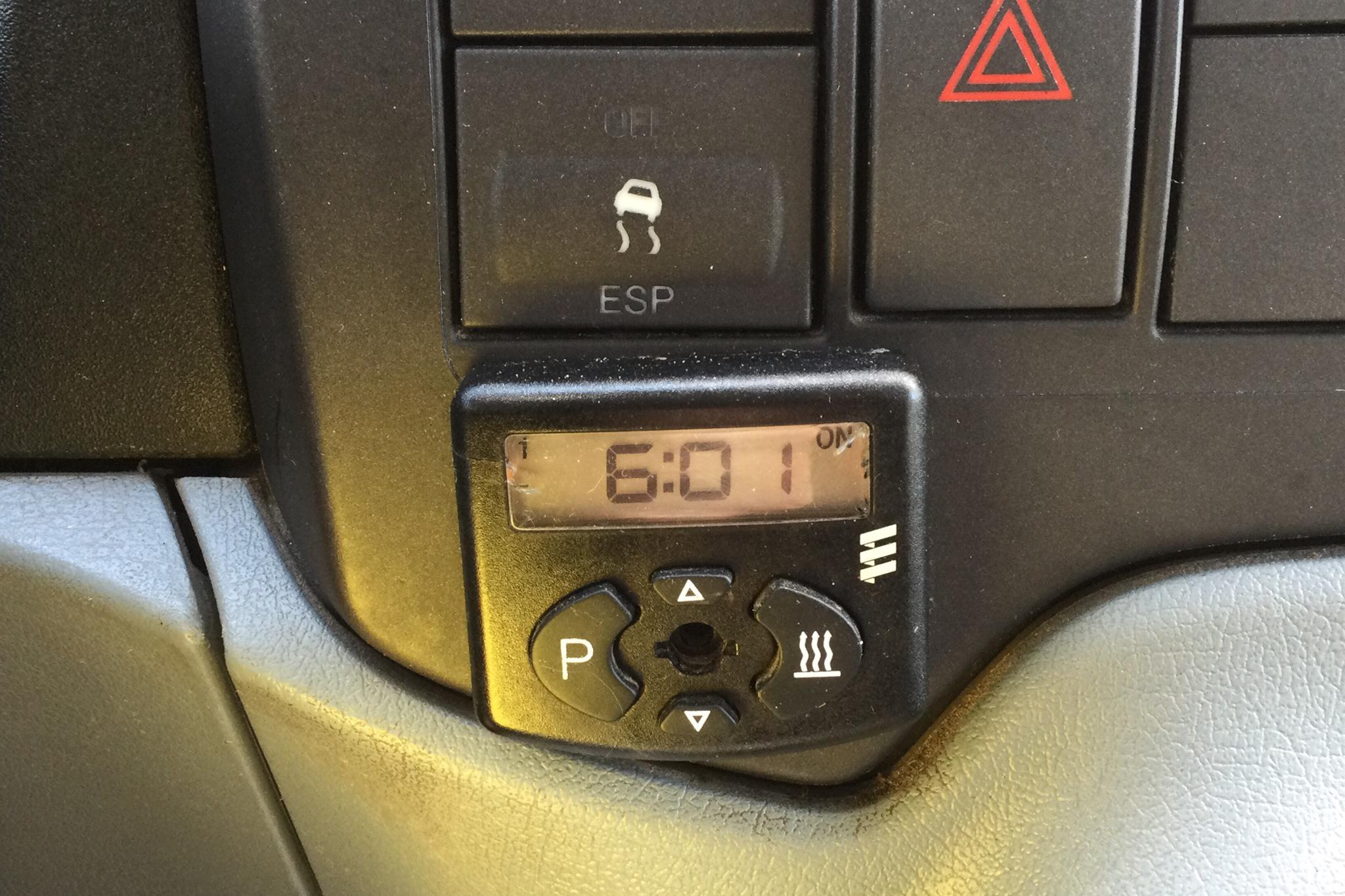 Ford Transit 350 2.2 TDCi Pickup (140hk) - 180 940 km - Manual - gray - 2012