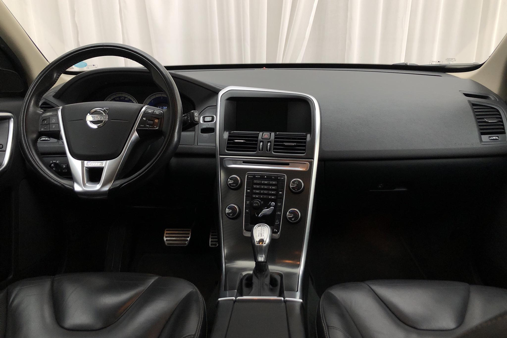 Volvo XC60 D4 AWD (163hk) - 216 690 km - Automatic - black - 2013