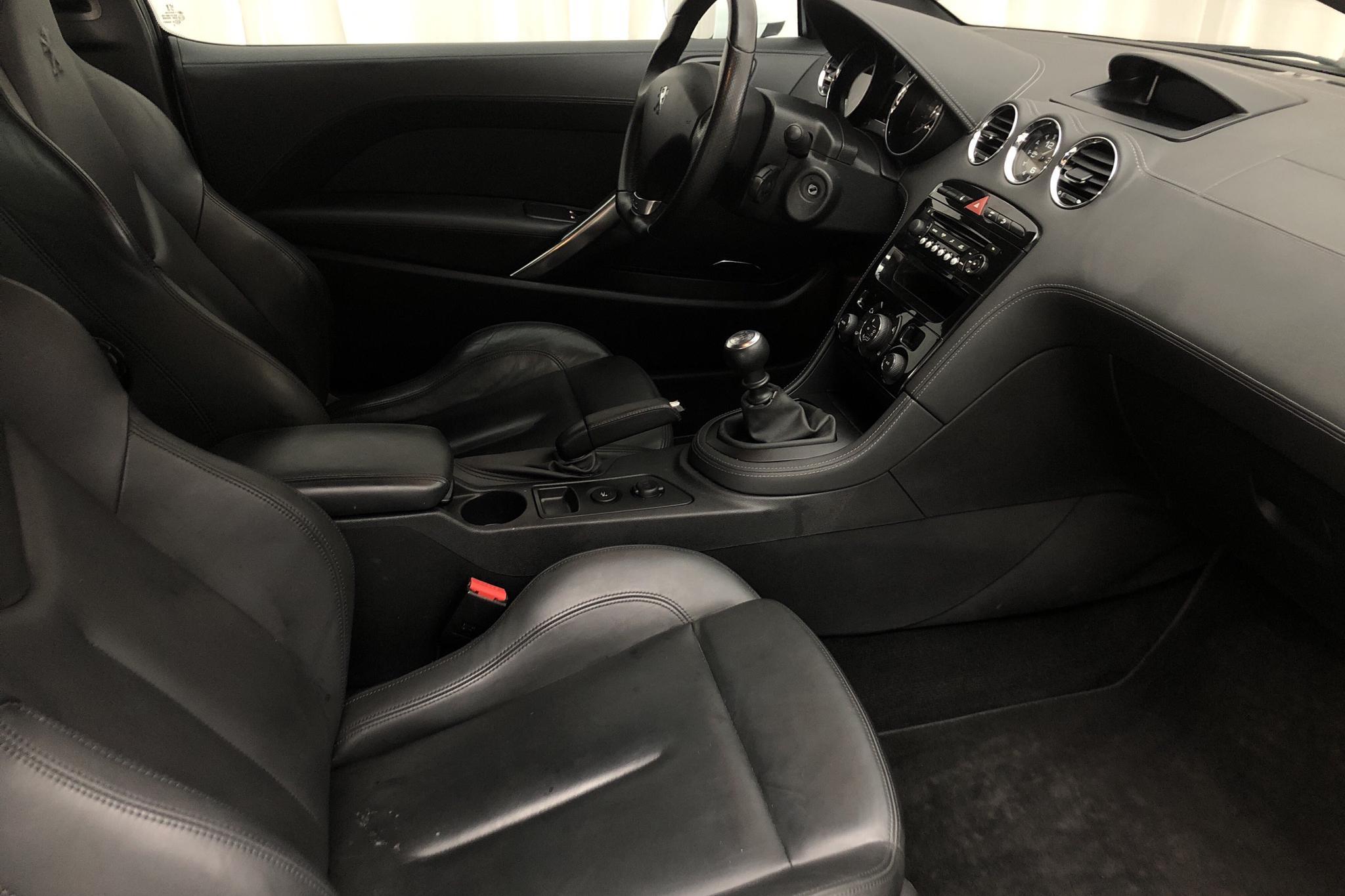 Peugeot RCZ 1.6 Turbo (200hk) - 12 421 mil - Manuell - vit - 2012
