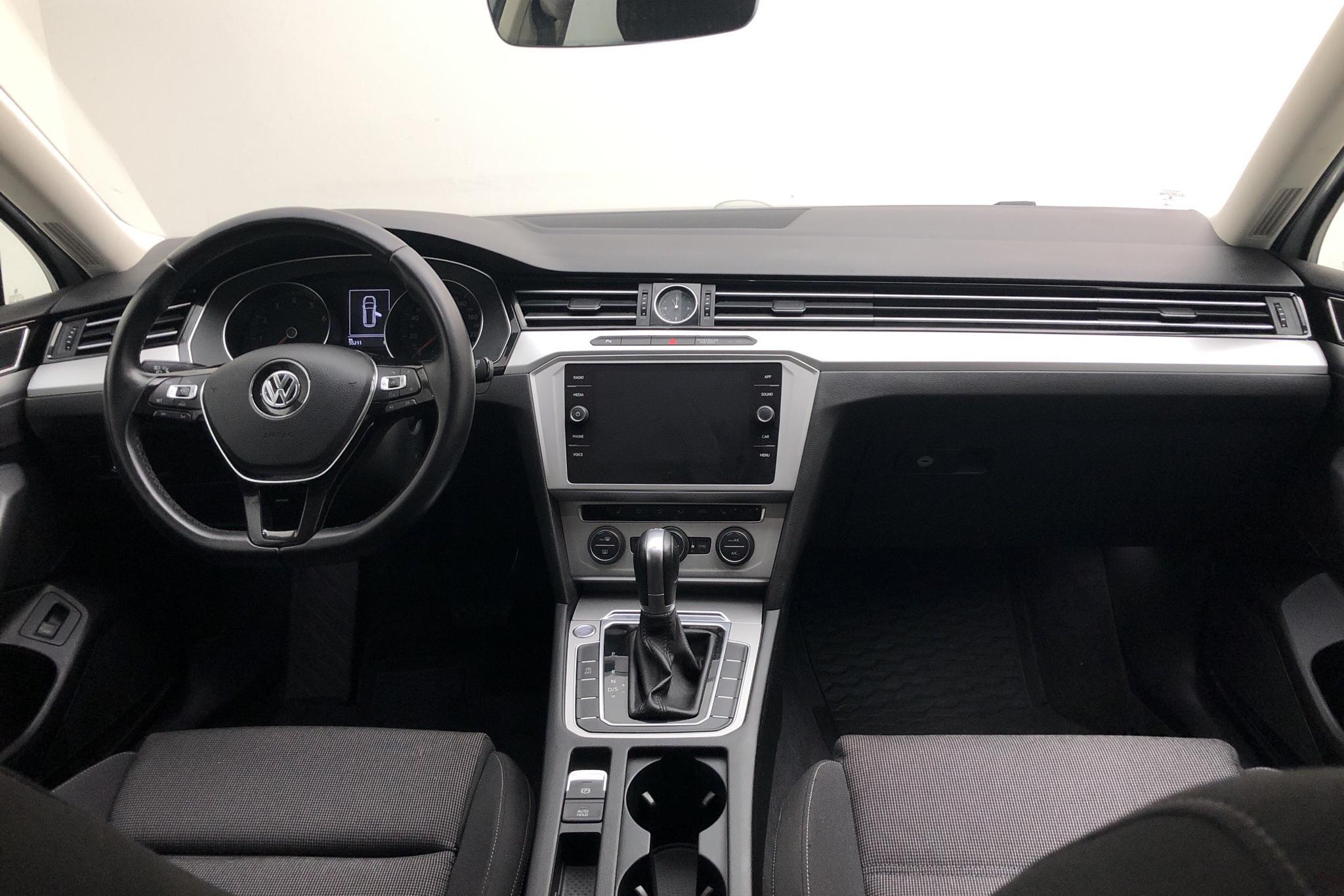 VW Passat 1.4 TSI Sportscombi (150hk) - 55 220 km - Automatic - white - 2018
