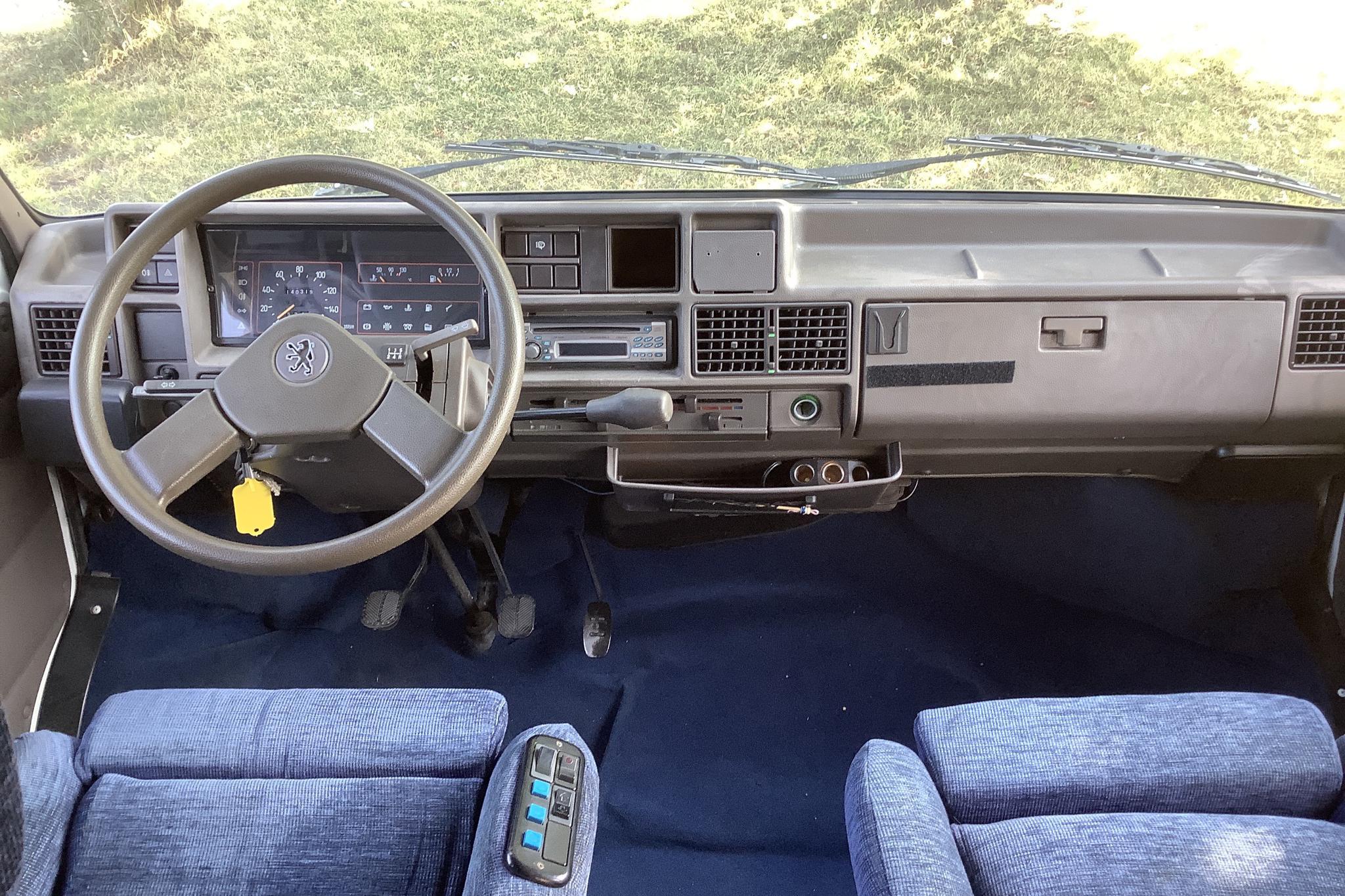 Peugeot LANDÅ 6-6 Husbil - 14 031 mil - Manuell - vit - 1989