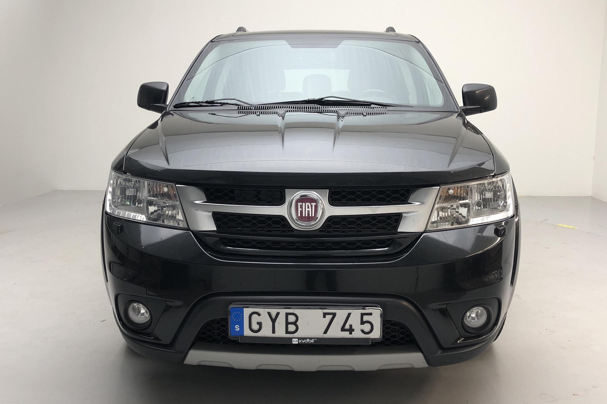 Fiat Freemont 2.0 Multijet AWD (170hk) - 22 619 mil - Automat - svart - 2012