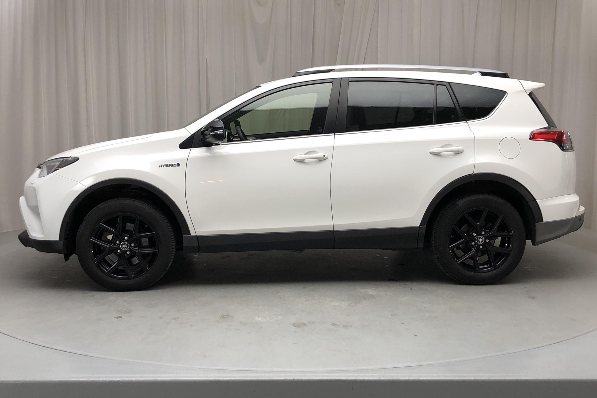 Toyota RAV4 2.5 HSD AWD (197hk) - 96 350 km - Automatic - white - 2018