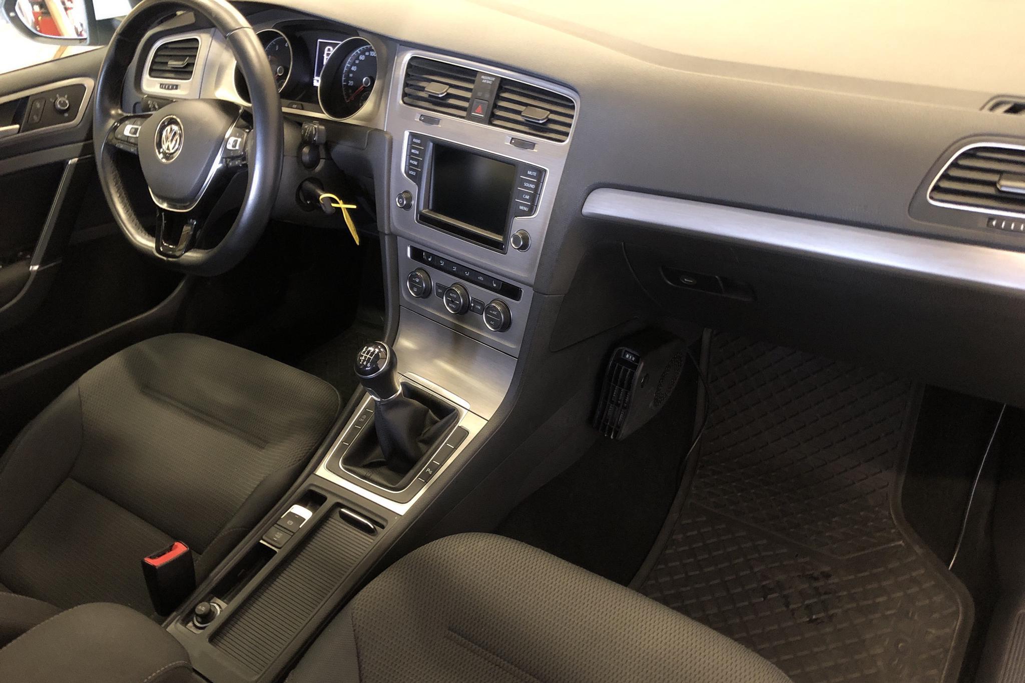 VW Golf VII 1.4 TSI Multifuel Sportscombi (125hk) - 57 380 km - Manual - white - 2016