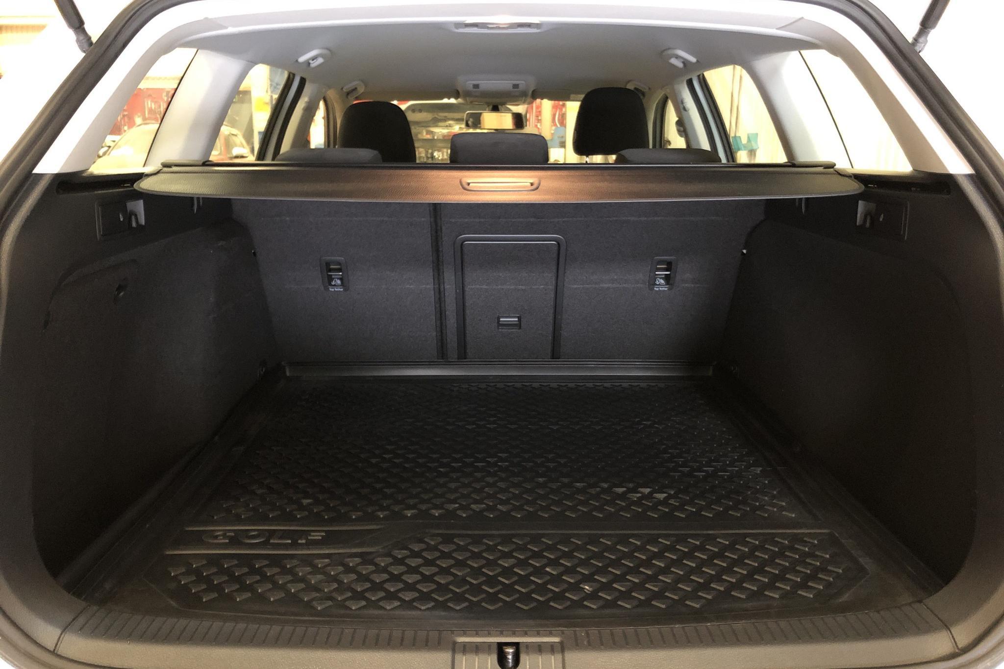 VW Golf VII 1.4 TSI Multifuel Sportscombi (125hk) - 14 237 mil - Manuell - vit - 2016